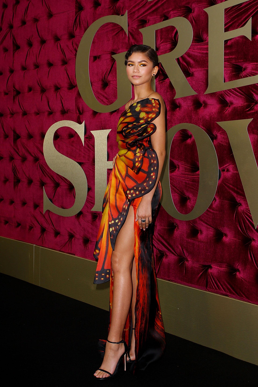 La cantante y actriz brilló enfundada en un fabuloso diseño de Moschino