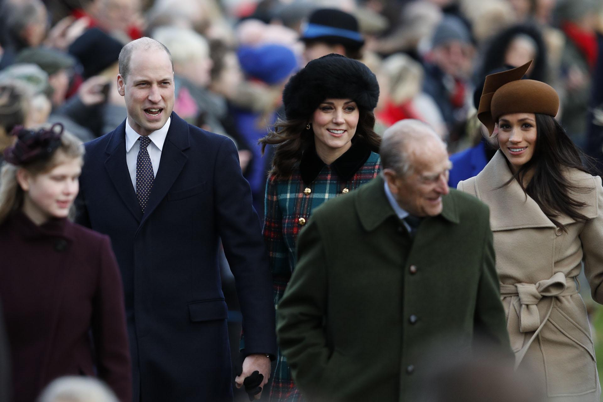 Catalina de Cambridge y Meghan Markle: duelo de estilos bien diferentes para la ceremonia religiosa de Navidad