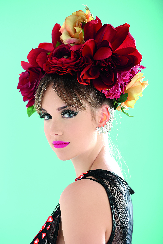 ¡Para las que se animen no hay nada como crear una corona de flores, si son naturales mucho mejor!