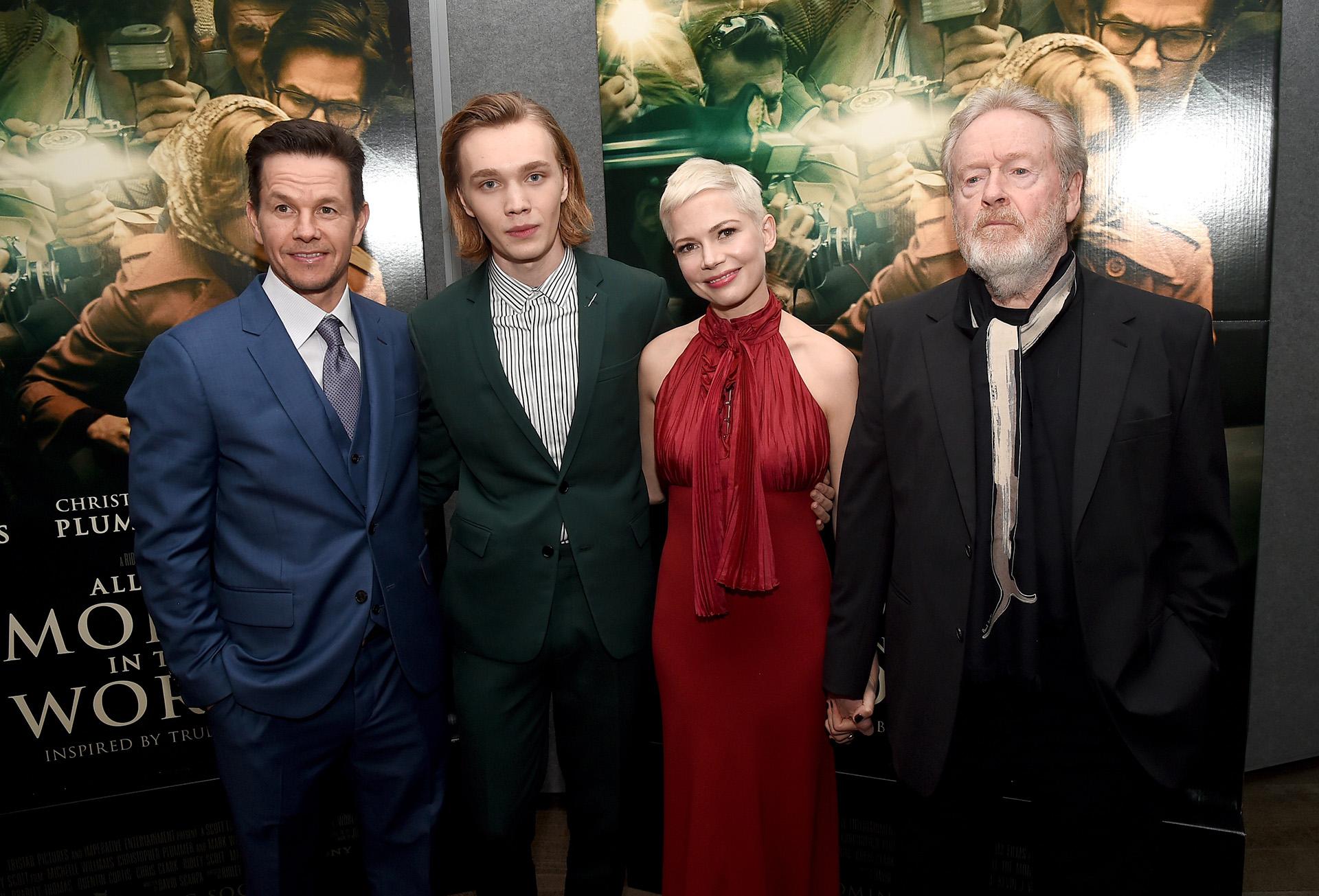 Felices durante la presentación: Mark Wahlberg, Charlie Plummer, Michelle Williams y Ridley Scott /// Fotos: Getty Images