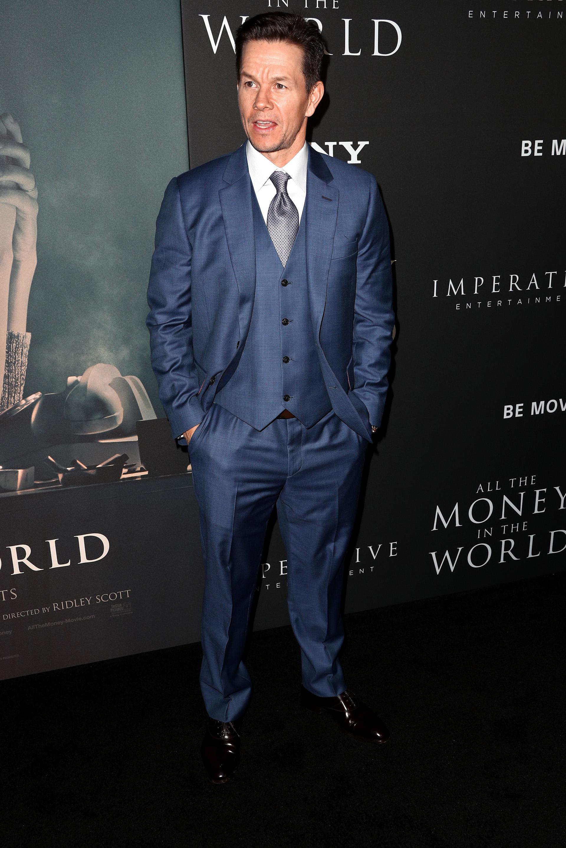 Mark Wahlberg a su llegada a la red carpet de la película que protagoniza, cuya premiere se llevó a cabo en el Samuel Goldwyn Theater de Beverly Hills