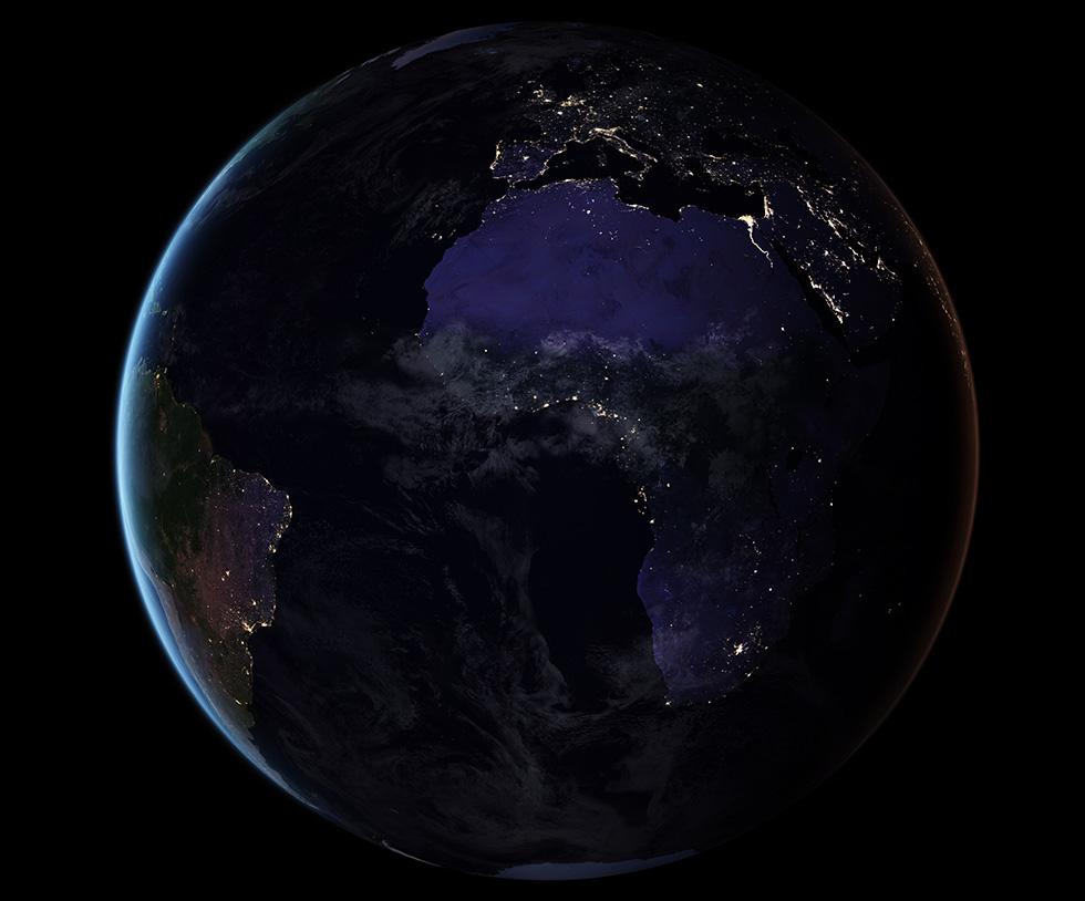 Una foto del planeta Tierra durante la noche difundida por la NASA este año (NASA)