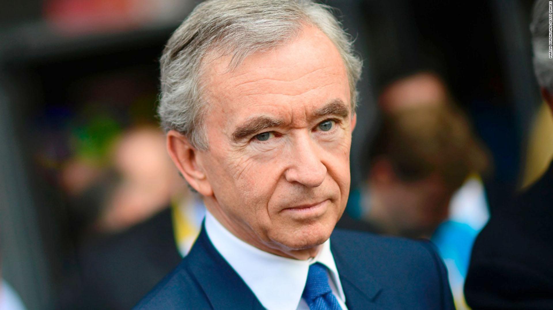 Bernard Arnault, francés de 68 años, acumula una fortuna cercana a los 74,6 mil millones de dólares