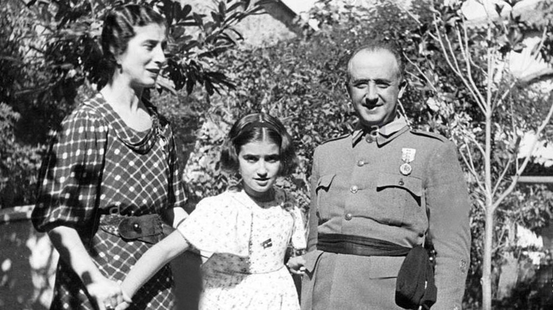 Muri carmen franco polo la nica hija del dictador - Manuel riesgo villaverde ...