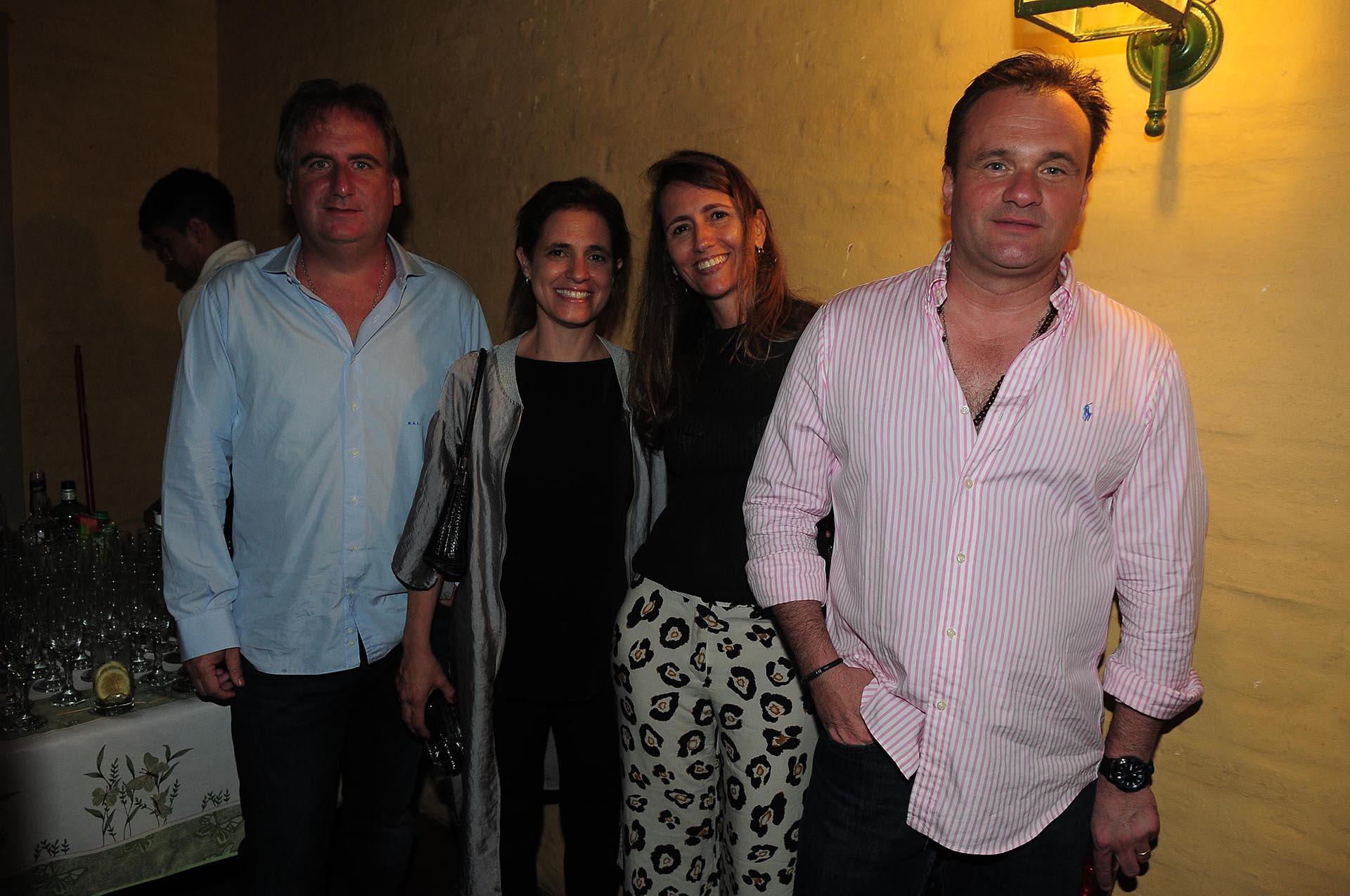 Tato Lanusse y Silvina Pueyrredon junto a Magdalena y Juan Pablo Maglier