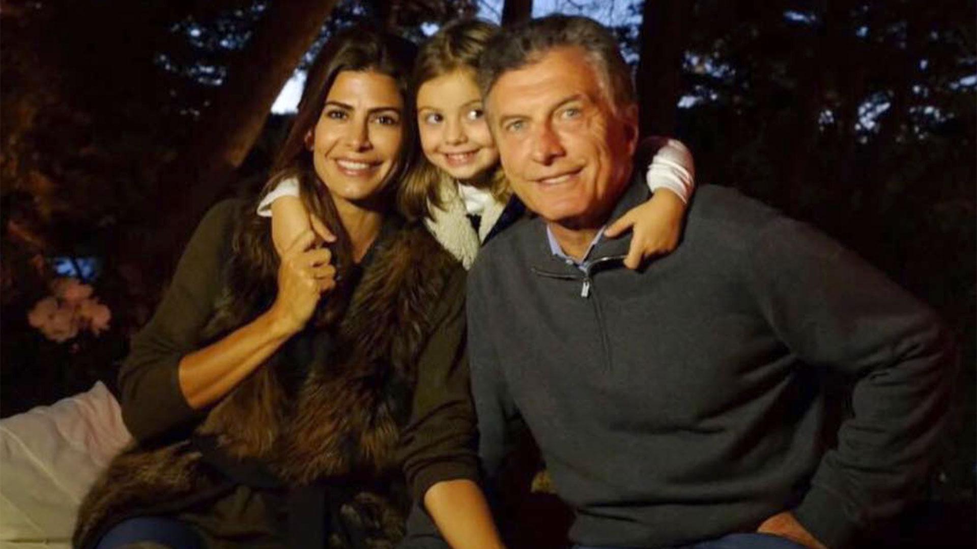 Mauricio Macri junto a su esposa, Juliana Awada, y a su hija Antonia en Villa la Angostura