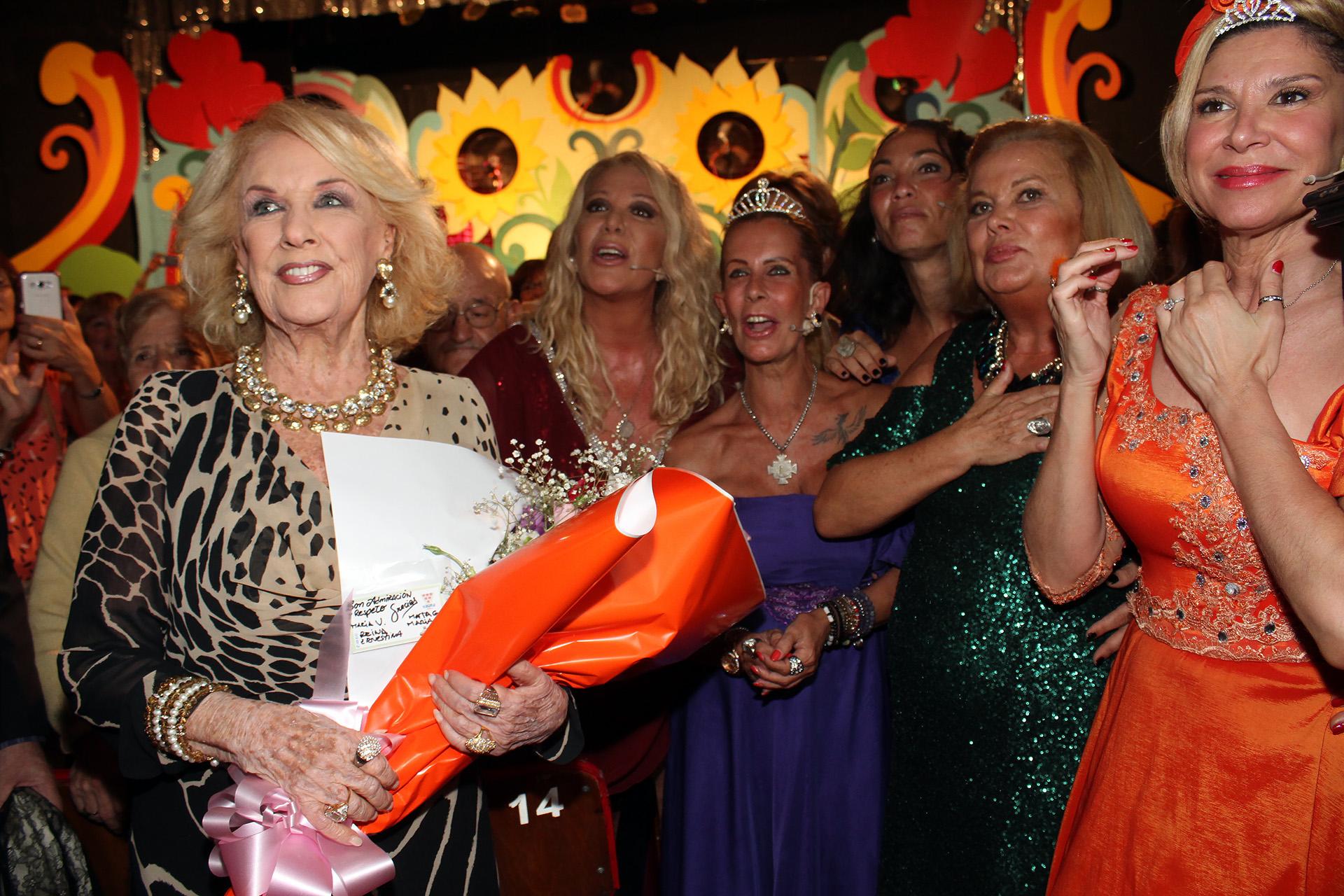 "Mirtha Legrand fue a ver ""El show de la menopausia"", protagonizada por MaríaValenzuela, Marta González, Reina Reech, Ernestina Pais y María Carámbula"