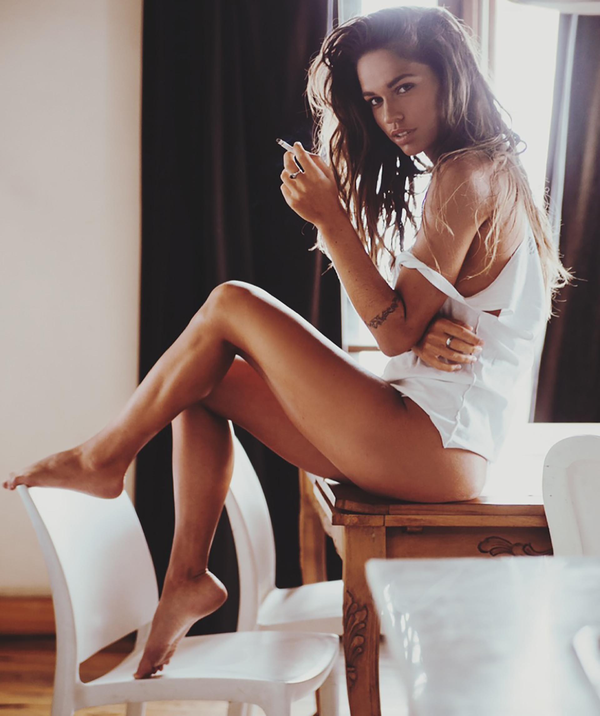 """Se llevó muchas amistades de sus compañeras del staff de bailarinas de 'ShowMatch': """"Nunca tuve un problema con nadie. Se armó un buen grupo y eso se lo agradezco al programa. Fue la tercera vez que Marcelo (Tinelli) me eligió para formar parte y se lo voy a agradecer siempre"""" (Crédito de la producción de Revista Playboy: Angie Monasterio)"""
