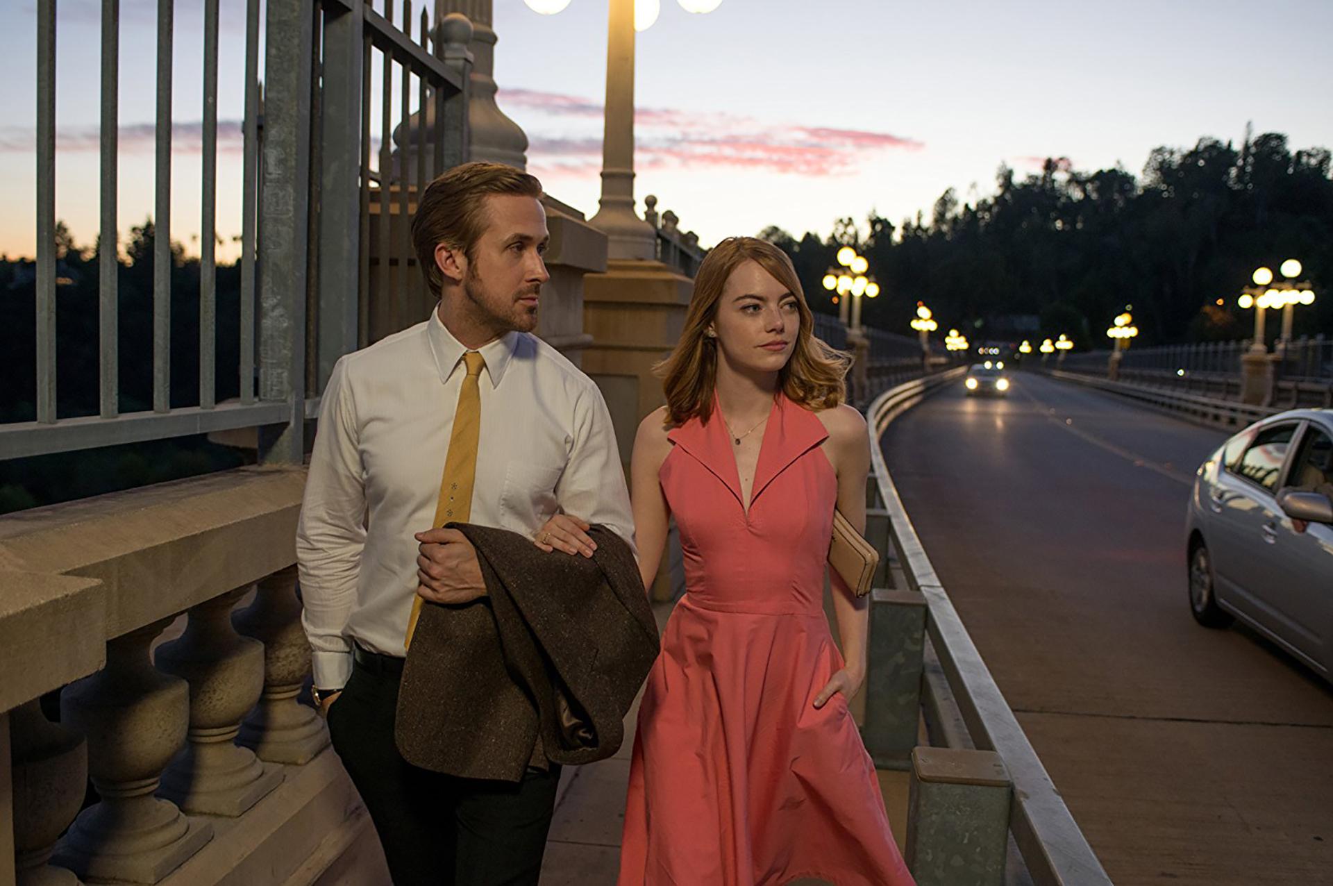 La La Land (2017) – 74ª edición.Dirigida por Damien Chazelle.Ganó 6 Globos de Oro: mejor película, mejor director, mejor guión, mejor actriz, mejor actor y mejor banda sonora