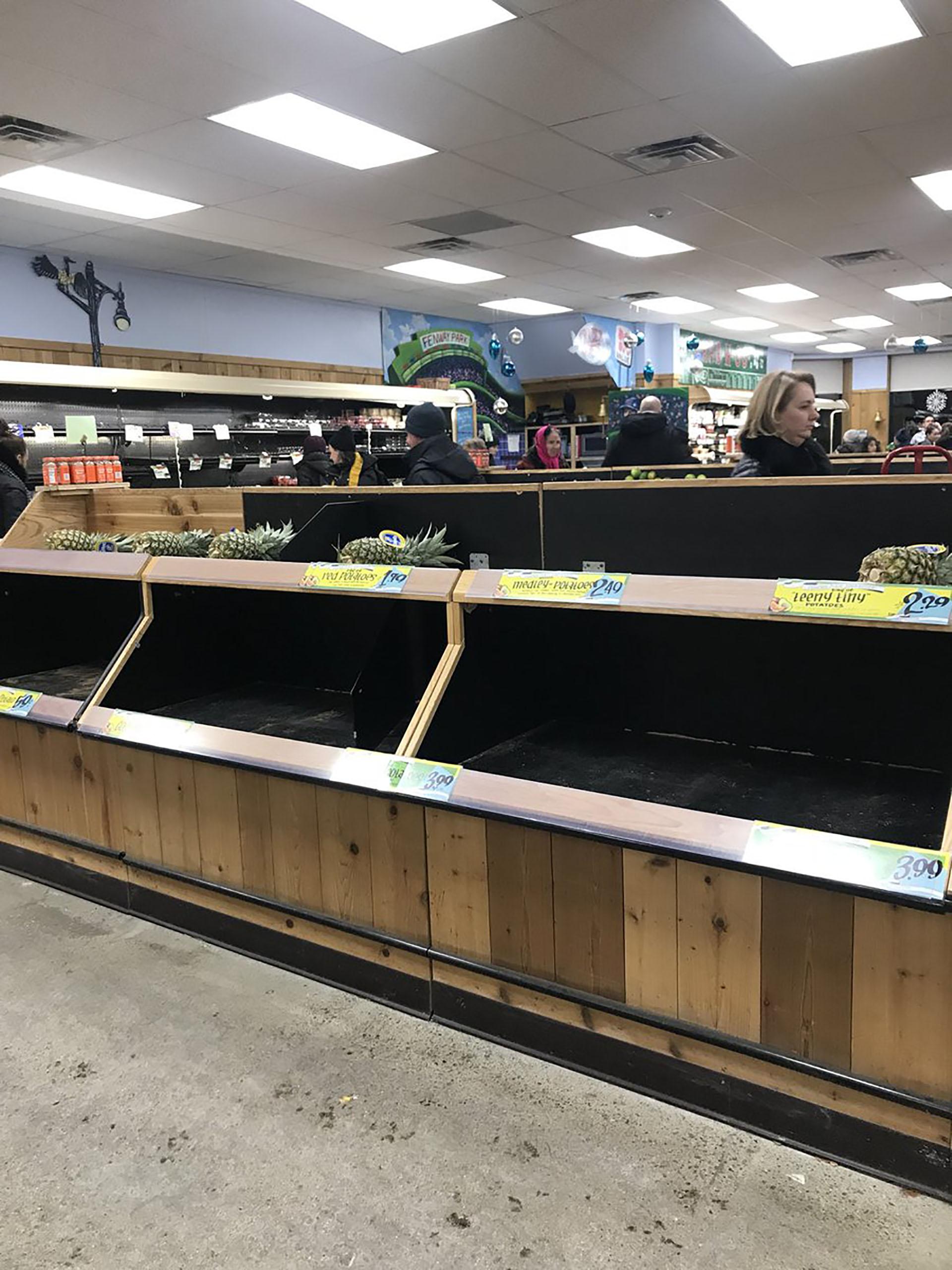 Frutas y verduras, los primeros productos en desaparecer