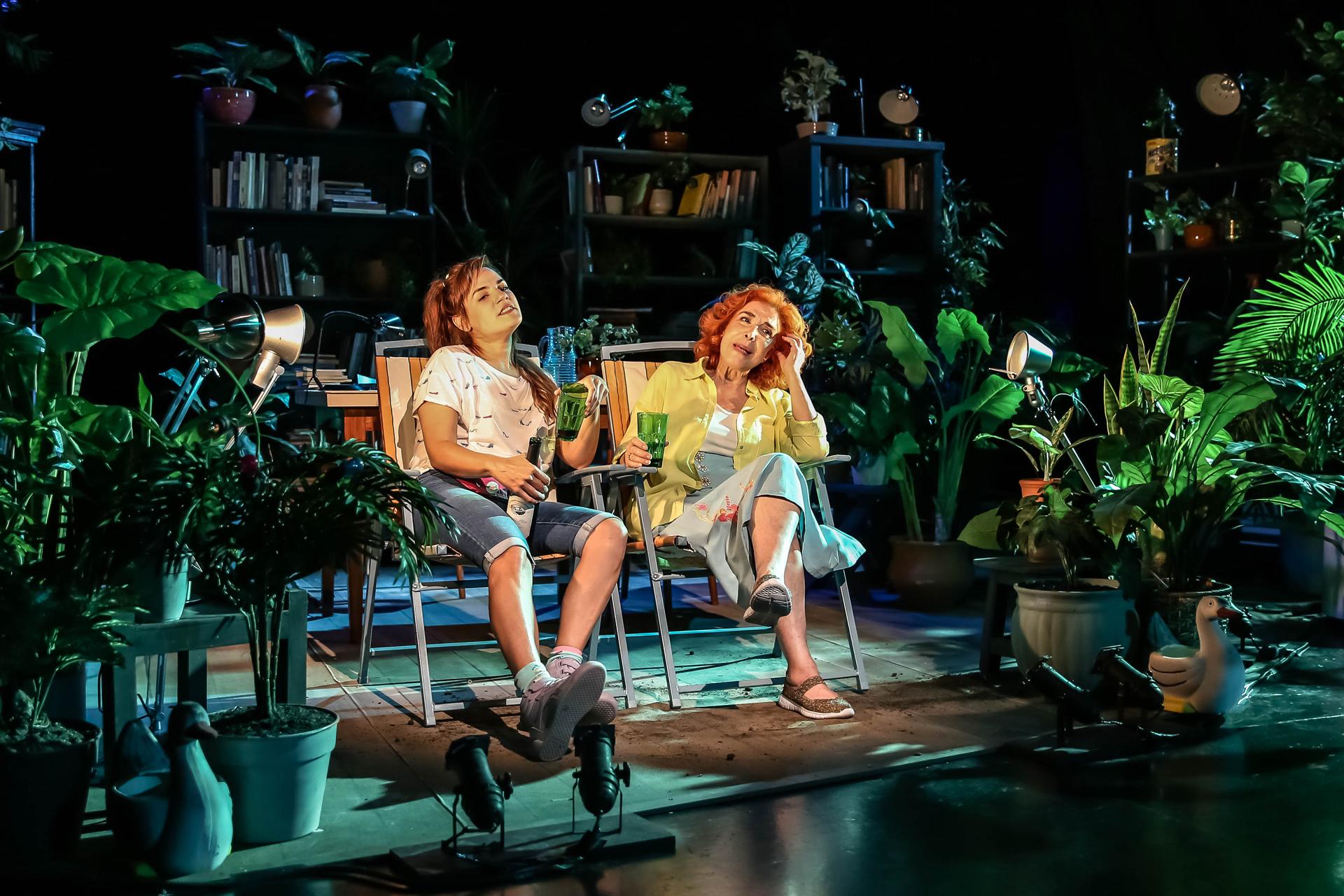 """Con la actuación especial de Mirta Busnelli la obra """"La savia"""" se presenta para el disfrute de los turistas en Mar del Plata"""