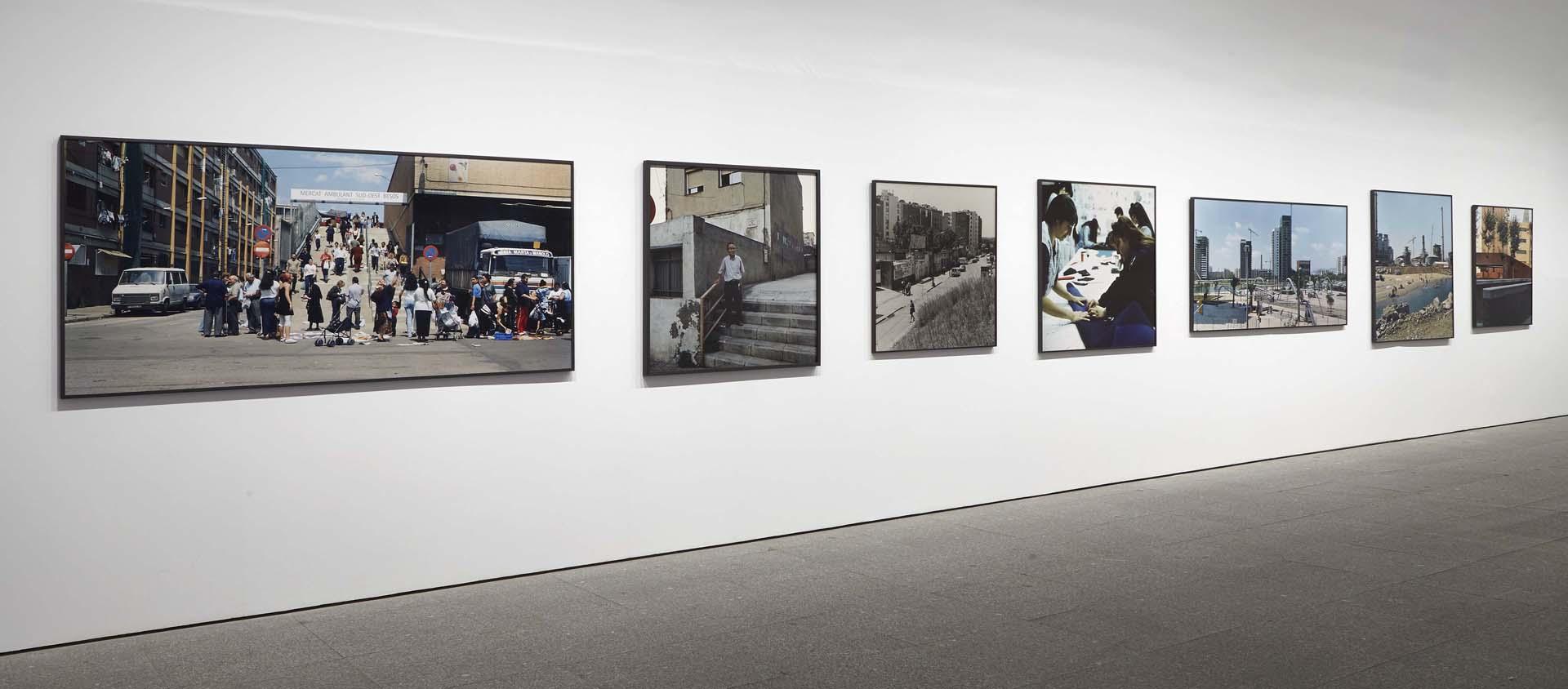 Exposición ficciones y territorios – Arte para pensar la nueva razón del mundo. Vista de salas con obras de Patrick Feigenbaum – Museo Nacional Reina Sofía, 2016
