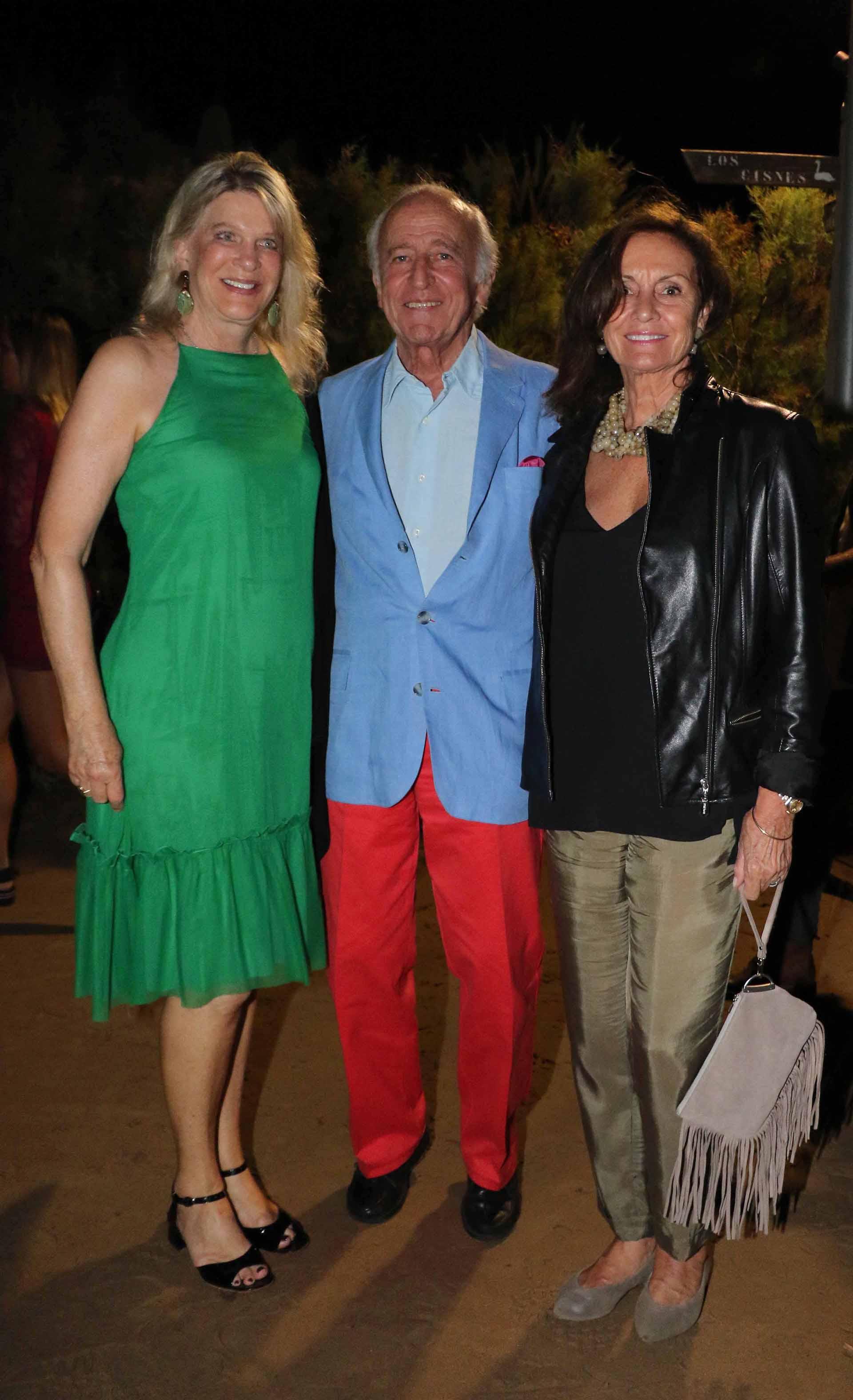 Eva y Santiago Soldati junto a Carol Bebin