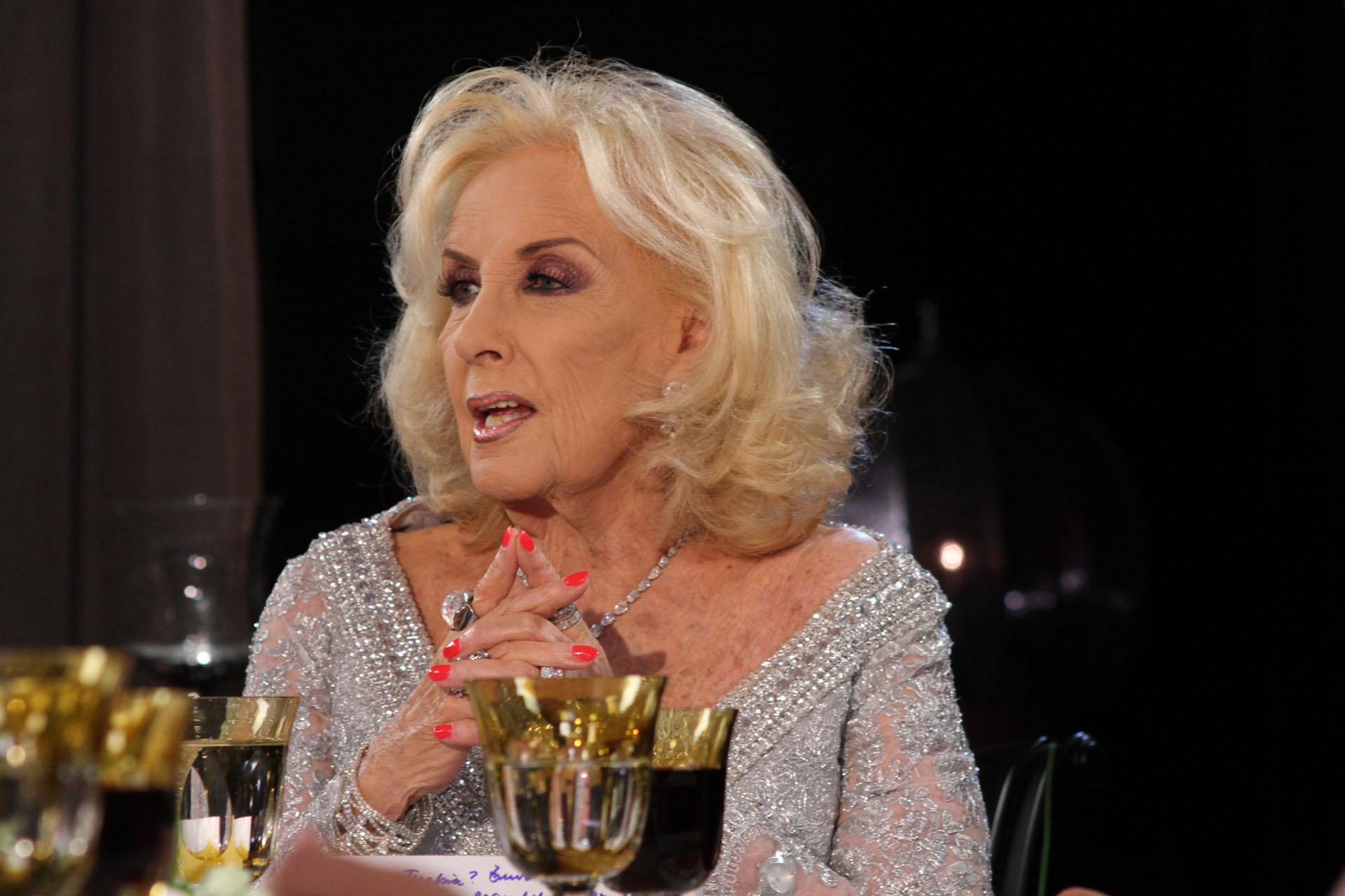 La diva escuchó muy atentamente a la gobernadora de Buenos Aires y hasta le pidió que se presentara como candidata en las elecciones presidenciales