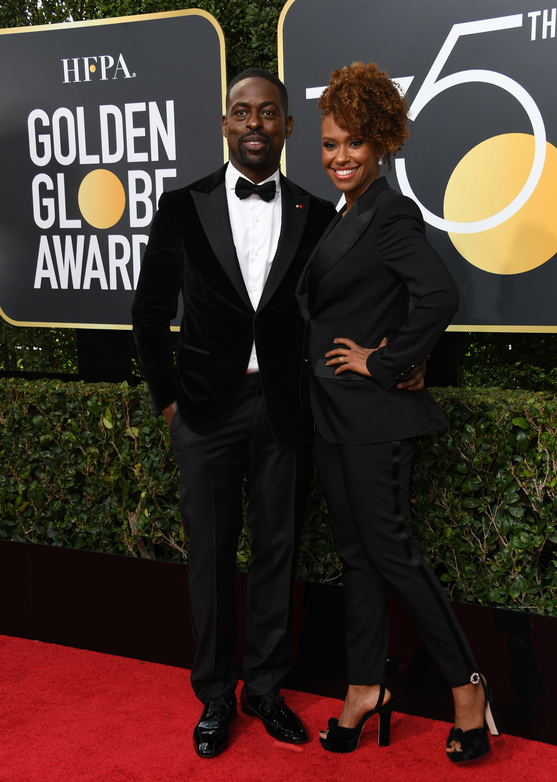 Sterling K. Brown y Ryan Michelle Bathe (AFP)