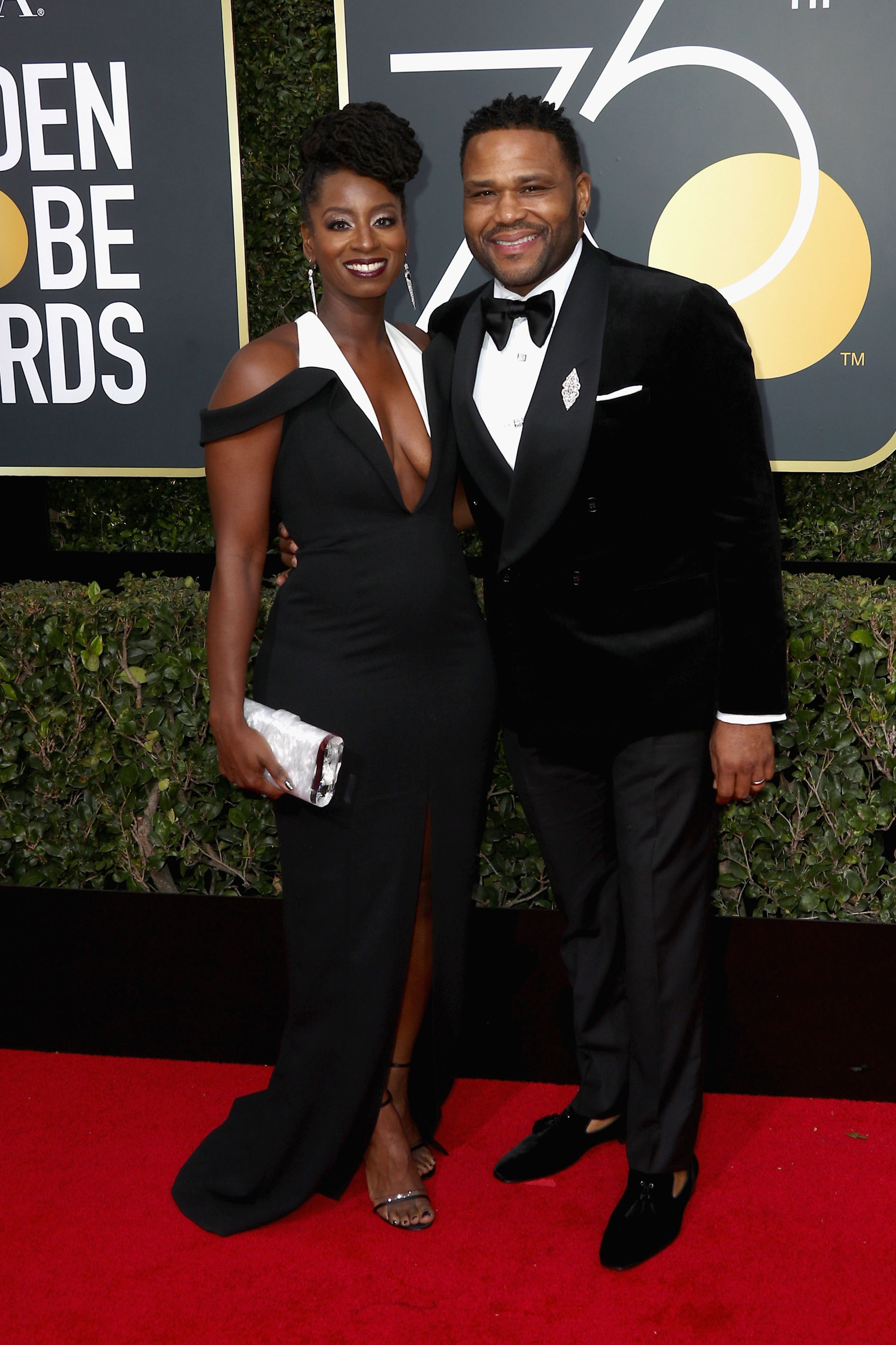 Alvina Stewart y Anthony Anderson (AFP)