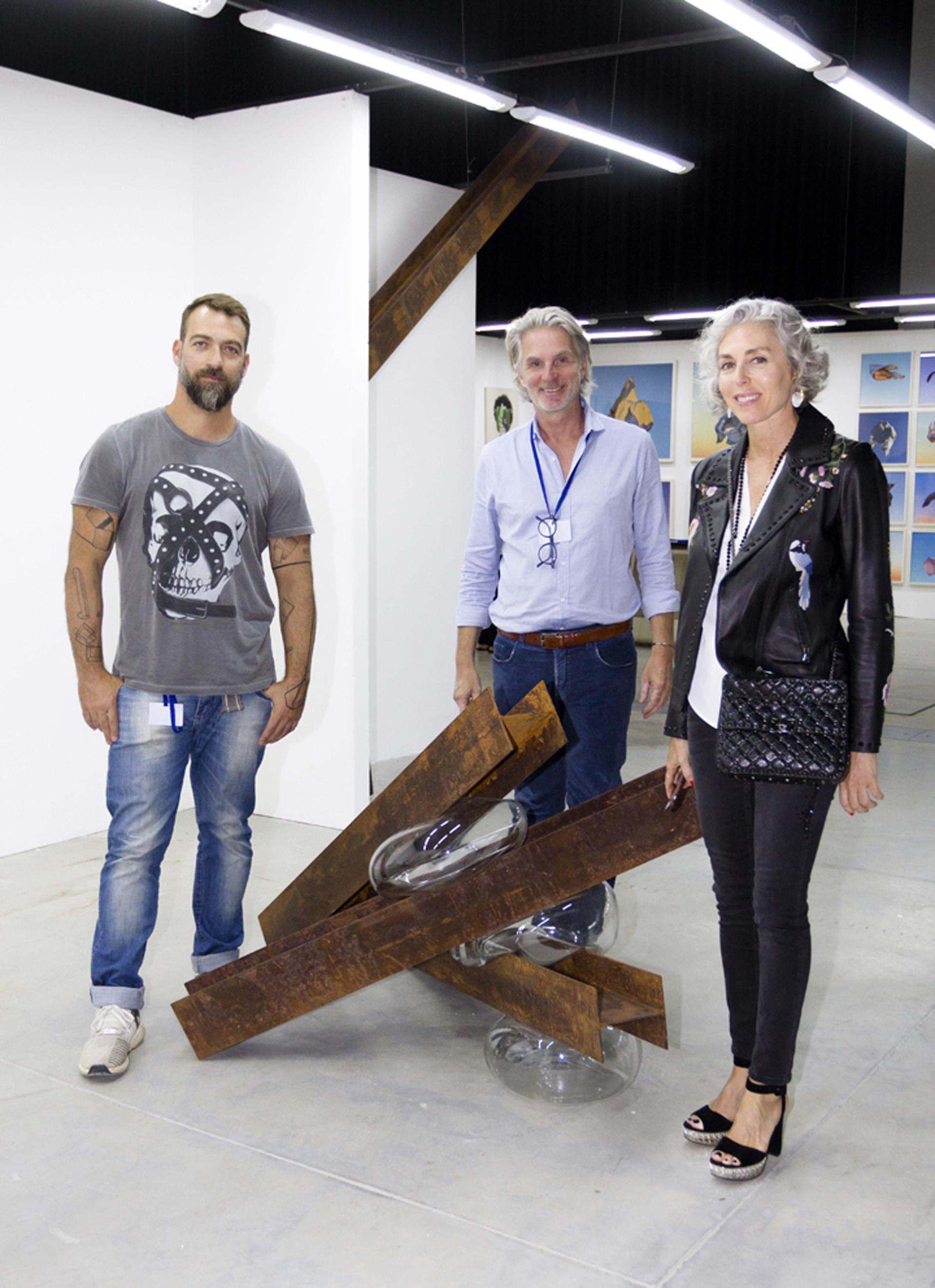 El artista Tulio Pinto, Martín Bernet y Jackie Parisier