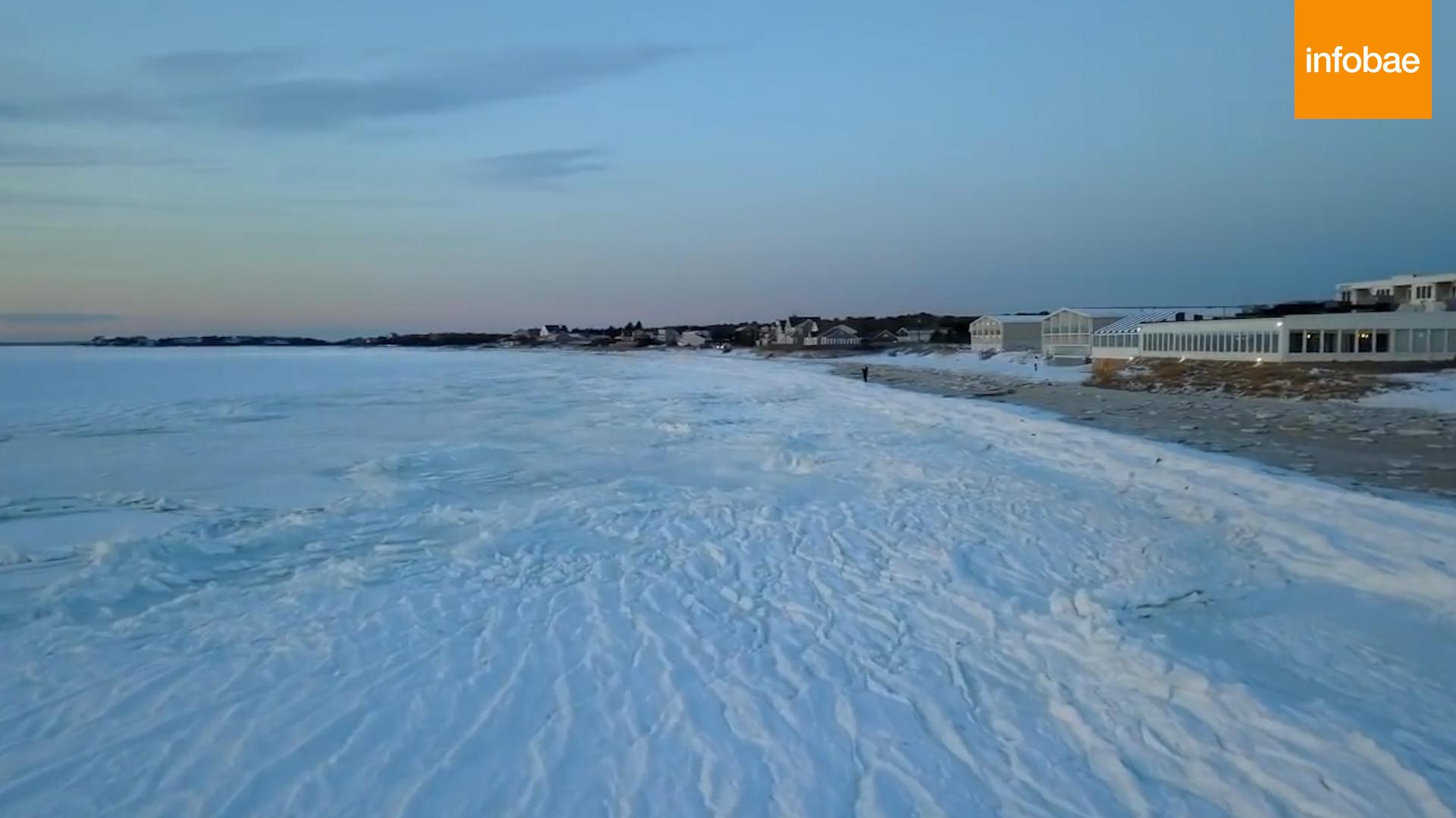 Old Silver Beach, cubierta de hielo (captura de video)