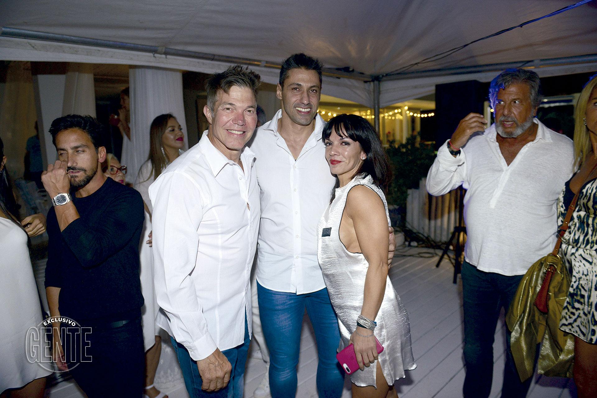 """Tito Speranzale cantó el """"felizcumpleaños"""" a su mujer, Marcela Villagra. Foto: Ale Carra/GENTE"""