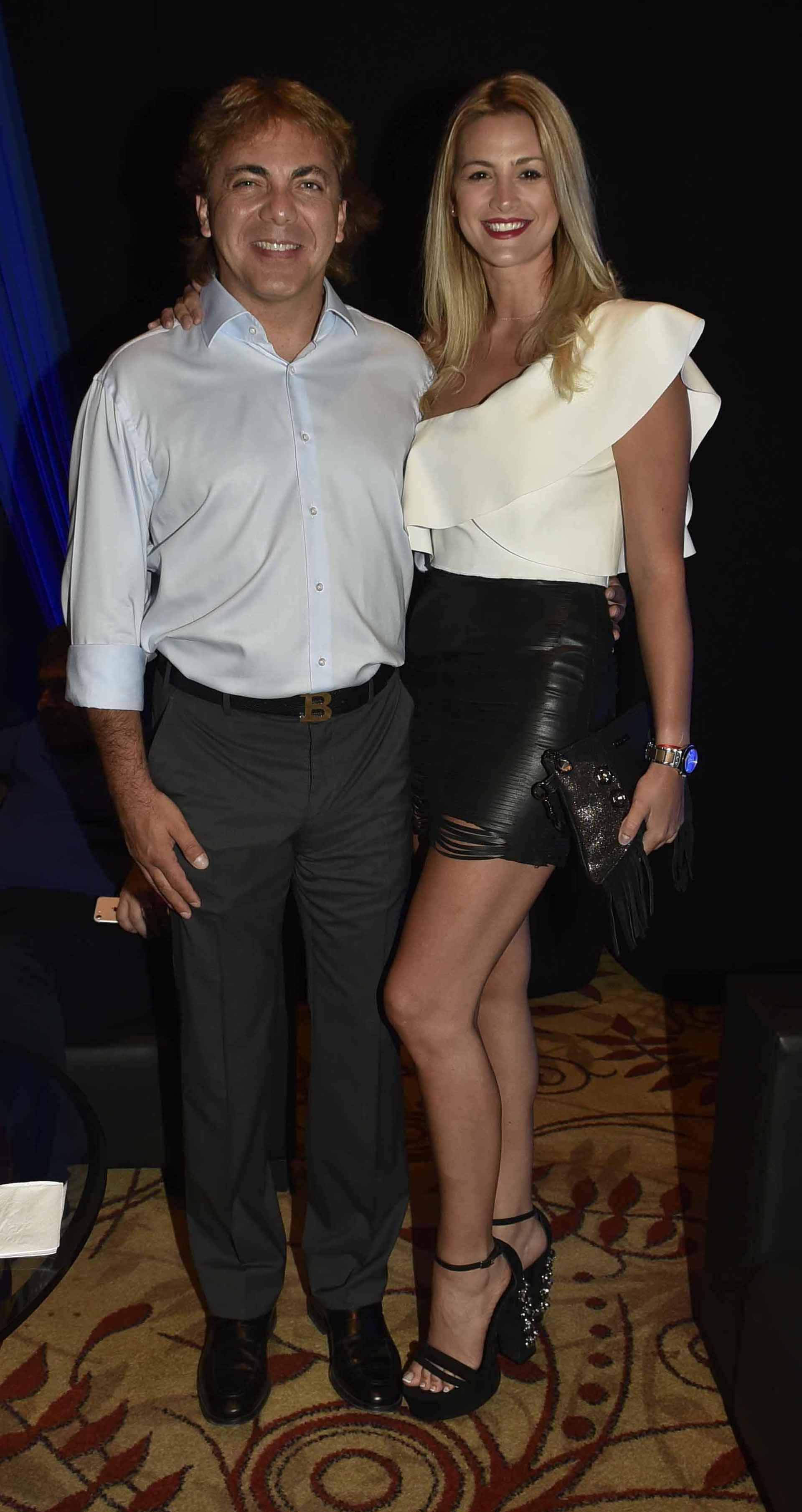 Cristian Castro y su novia Heidi Clair también estuvieron entre los invitados a la gala de Stravaganza