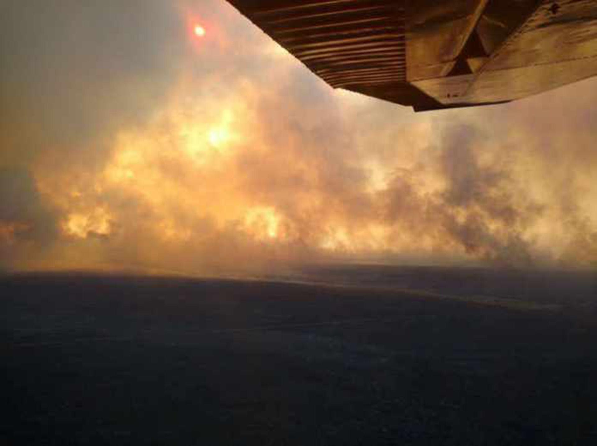 Vista aérea de los incendios en la provincia de La Pampa (Gentileza: La Arena)
