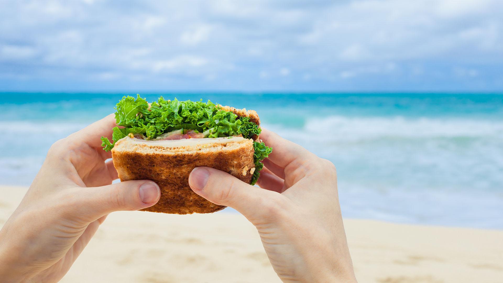Saber elegir los alimentos es parte de no abandonar el estilo de vida sana (Getty)
