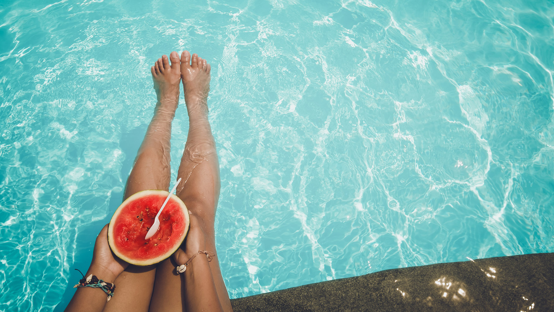 Las frutas son infaltables en la vianda de la playa o la pileta (Getty)