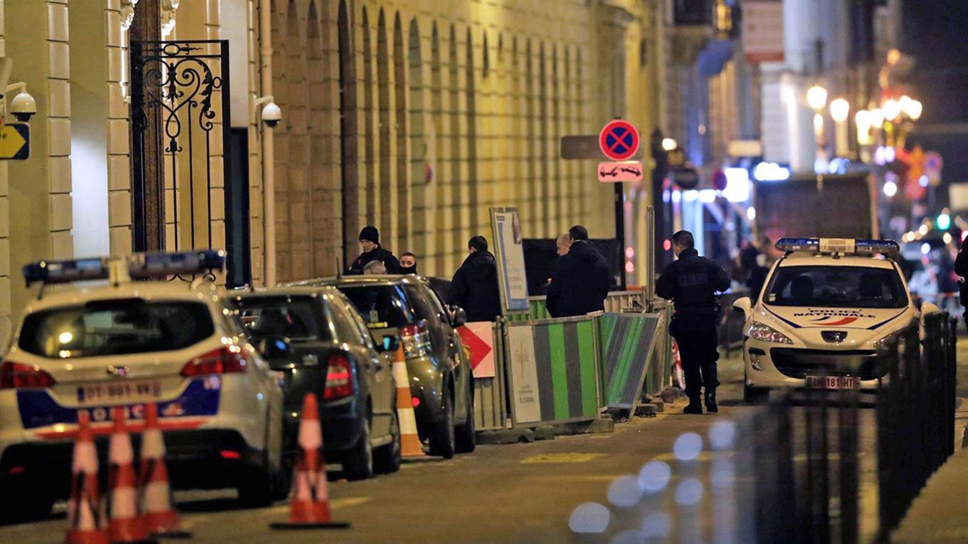 """Dos de los atracadores siguen huidos. El botín fue valorado en """"varios millones de euros"""", según una fuente policial"""