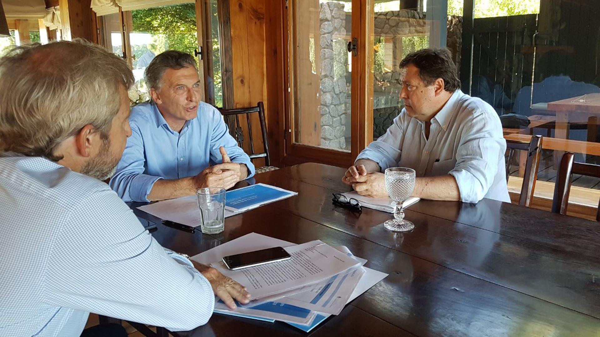 En Villa La Angostura, Macri recibe a Larreta y Vidal