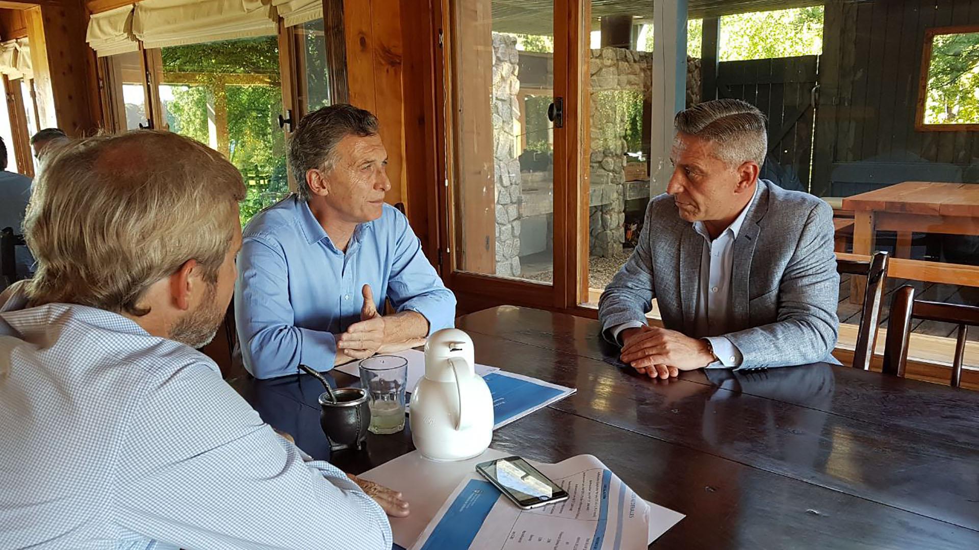 Macri y Frigerio junto al gobernador de Chubut Mariano Arcioni