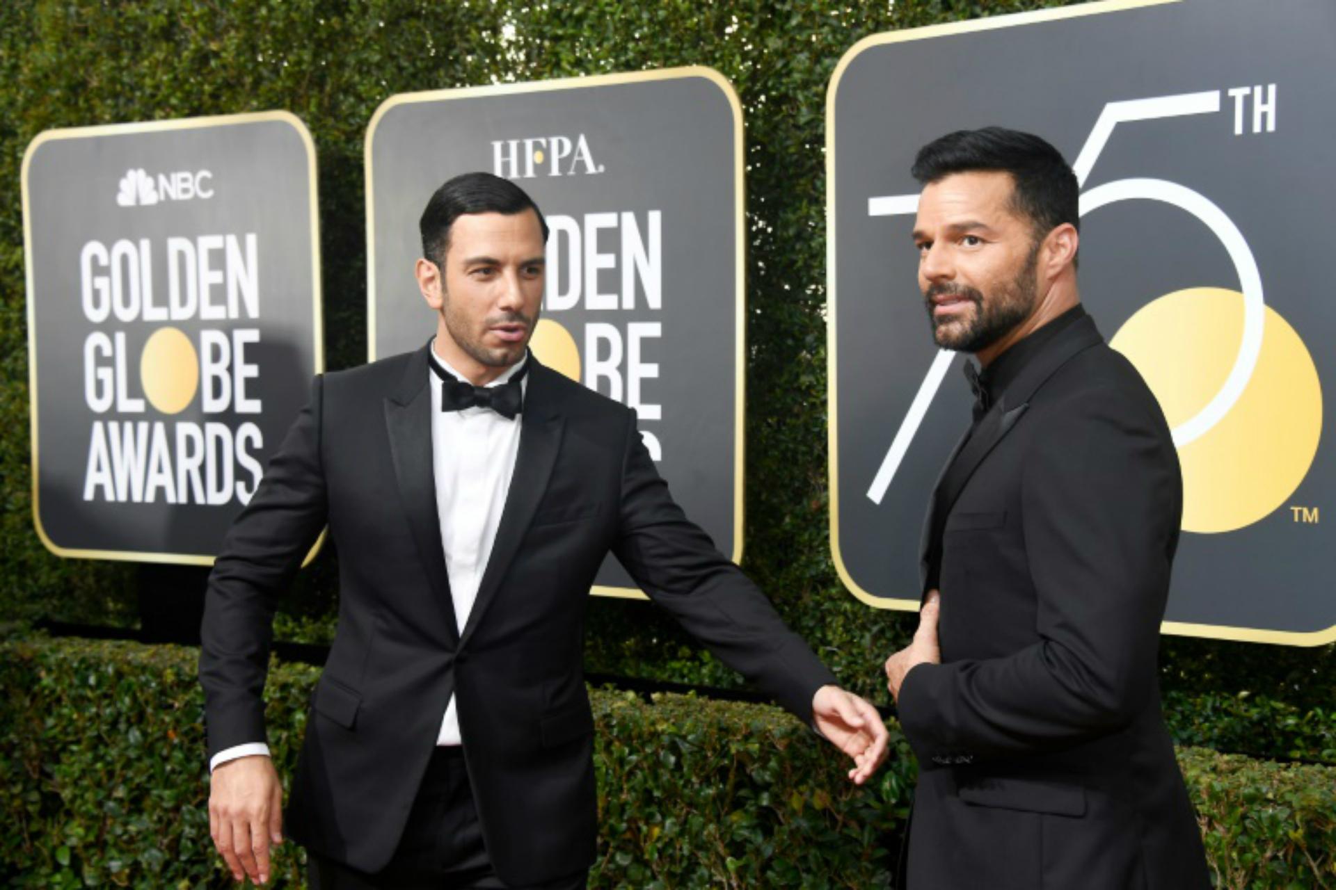 Ricky Martin con su esposo Jwan Yosef durante la gala de los últimos Globos de Oro.