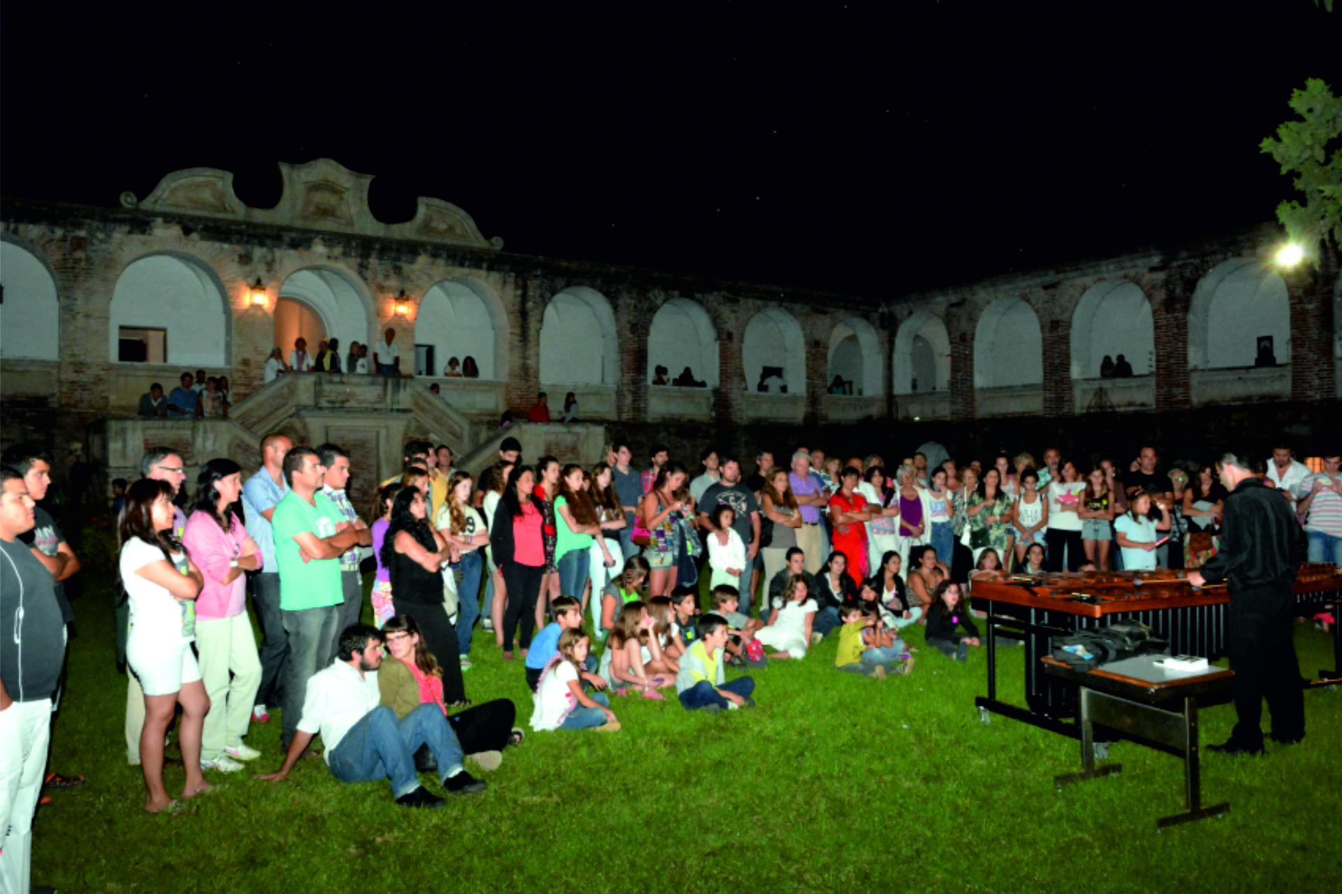 espectáculos musicales a cargo de los artistas Mauricio Córdoba, César Mora y Anibal Martinoli son una de las actividades de la noche de los museos