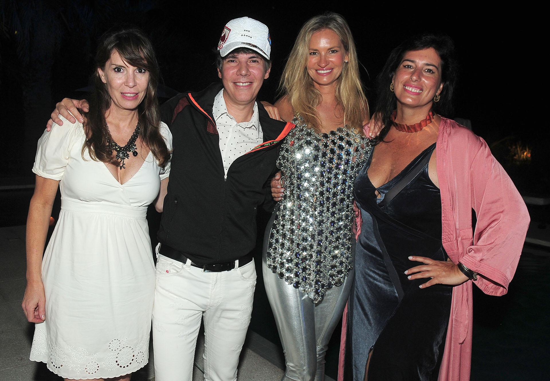 Inés Garcia Lanza de Trusso y Maxi Trusso junto a Lily Sciorra e Inés Berton