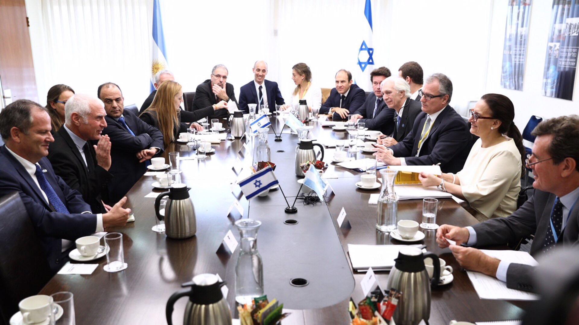Encuentro de trabajo con Adiv Baruch, presidente del Instituto de Exportación de Israel