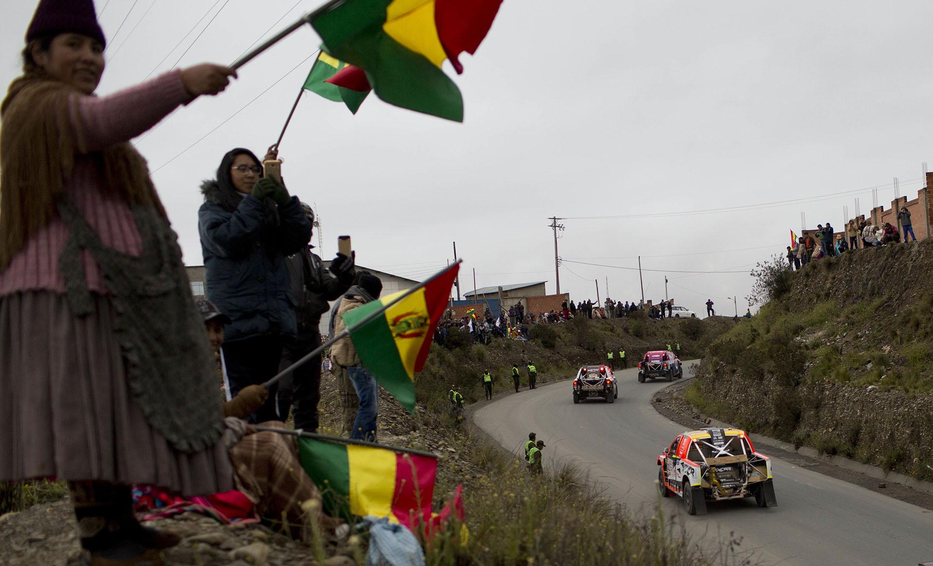 Los espectadores bolivianos recibieron con gran entusiasmo a los protagonistas