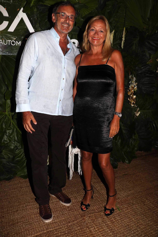 El presidente de la Asociación de Bancos de la Argentina (ABA) Claudio Cesario, y su mujer