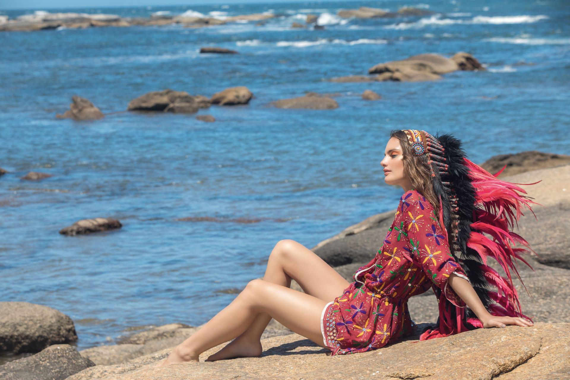Vestido de gasa bordado ($ 2.160, Var's). Foto Fernando Venegas/ Para Ti
