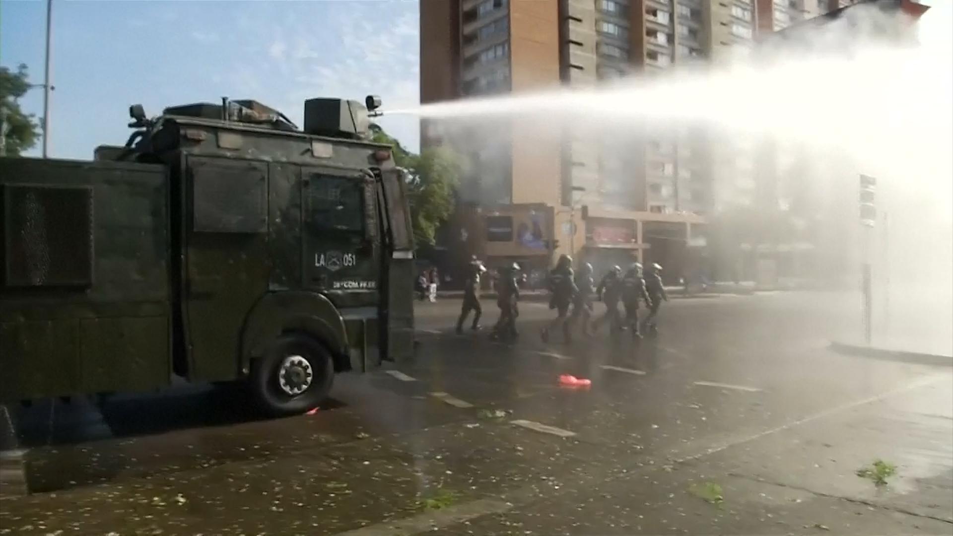 Hubo protestas en Santiago de Chile el martes, durante las actividades de Francisco en la ciudad