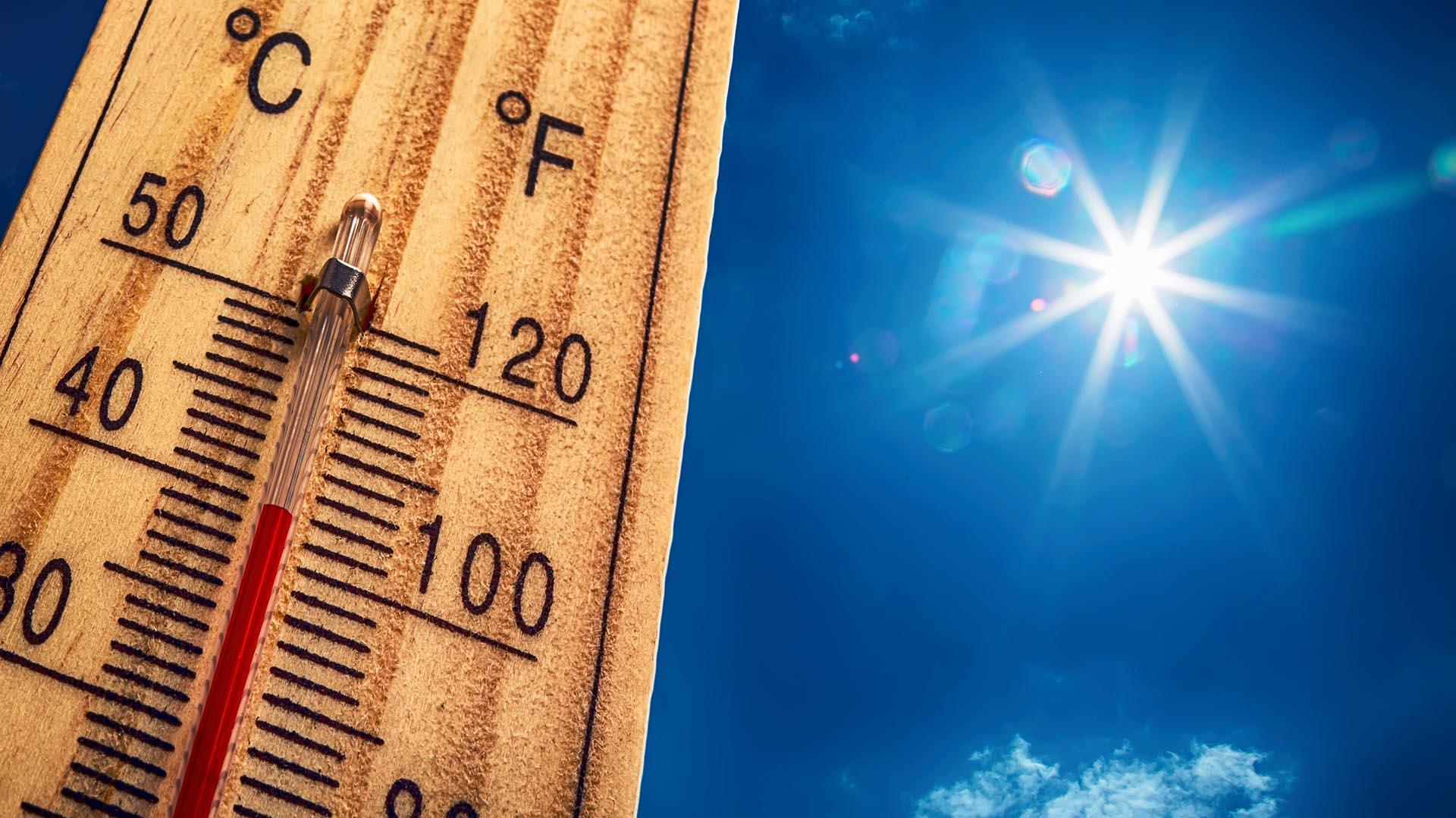 Cuando la temperatura es elevada, es importante mantener la mente relajada (Getty Images)