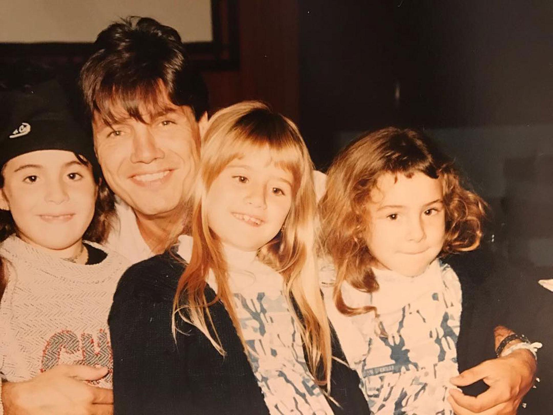 Con Gianinna Maradona y sus hijas Micaela y Candelaria.
