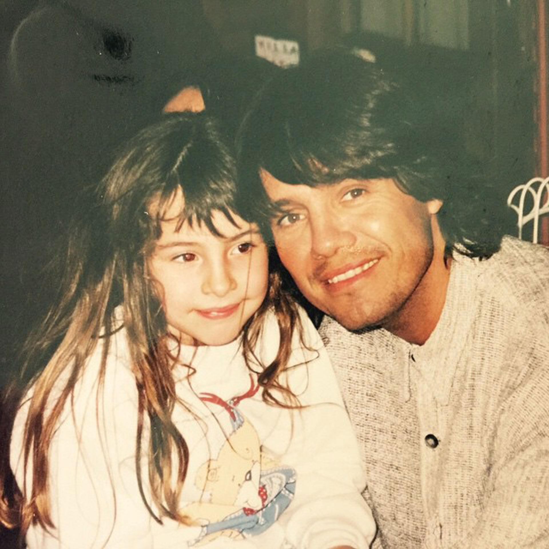 """El conductor y su hija Candelaria. """"Qué hermosa foto con mi rubi. Media rollinga la niña"""", escribió MT el día que la publicó en redes sociales."""