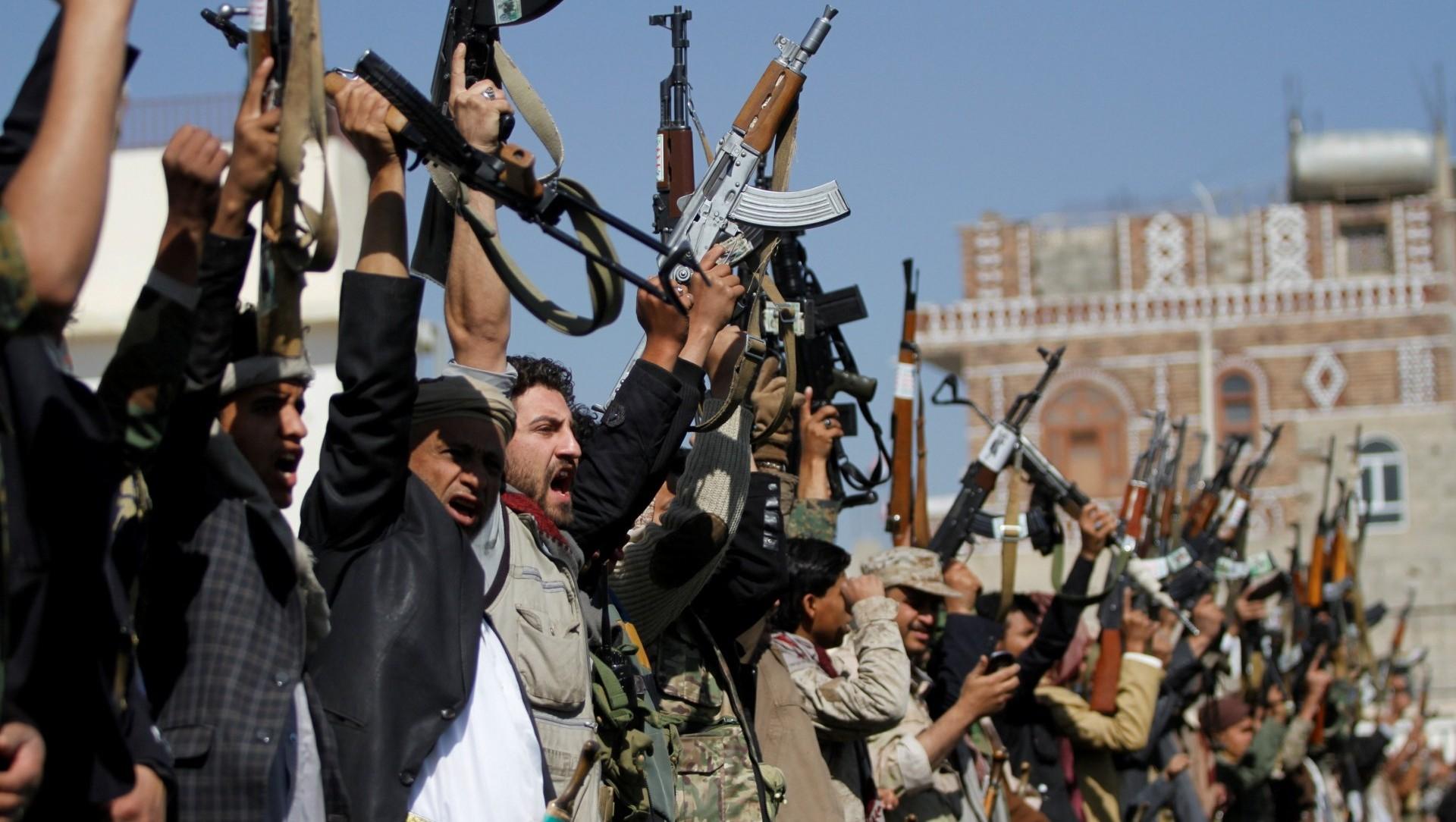 Milicias a fines a los hutíes en Yemen. (REUTERS/Mohamed al-Sayaghi)