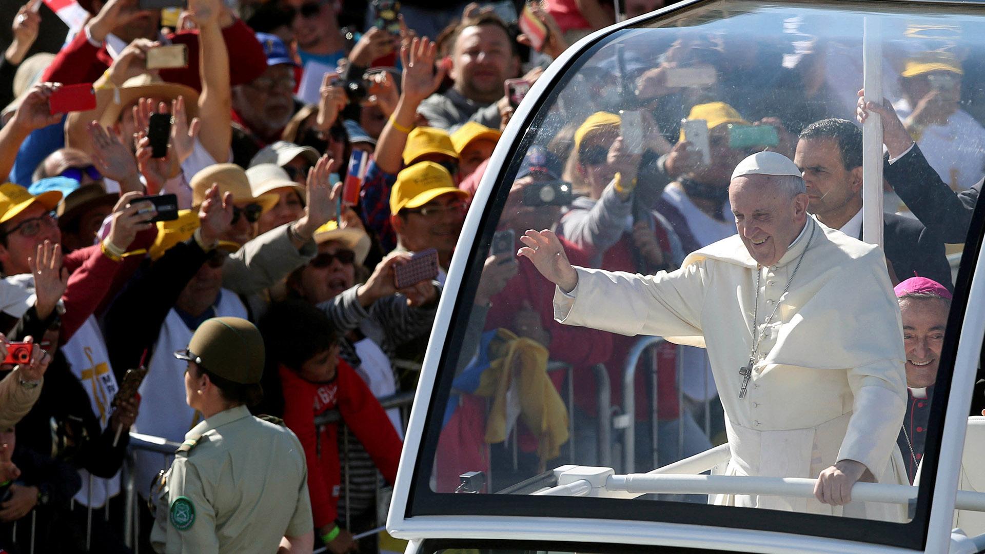 """El Papa celebró la misa """"por el progreso de los pueblos"""" (Reuters)"""