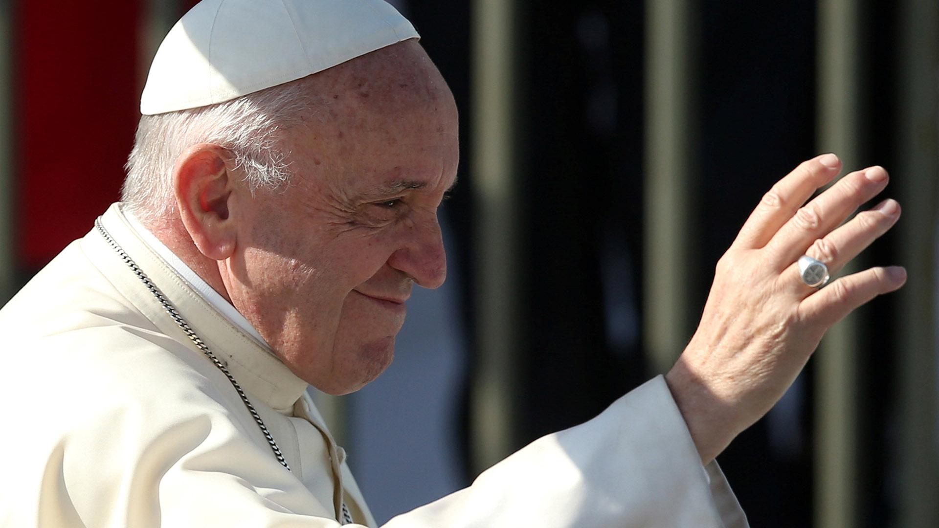 """""""Esta celebración la ofrecemos por todos los que sufrieron y murieron, y por los que cada día llevan sobre sus espaldas el peso de tantas injusticias"""", dijo el Papa (Reuters)"""