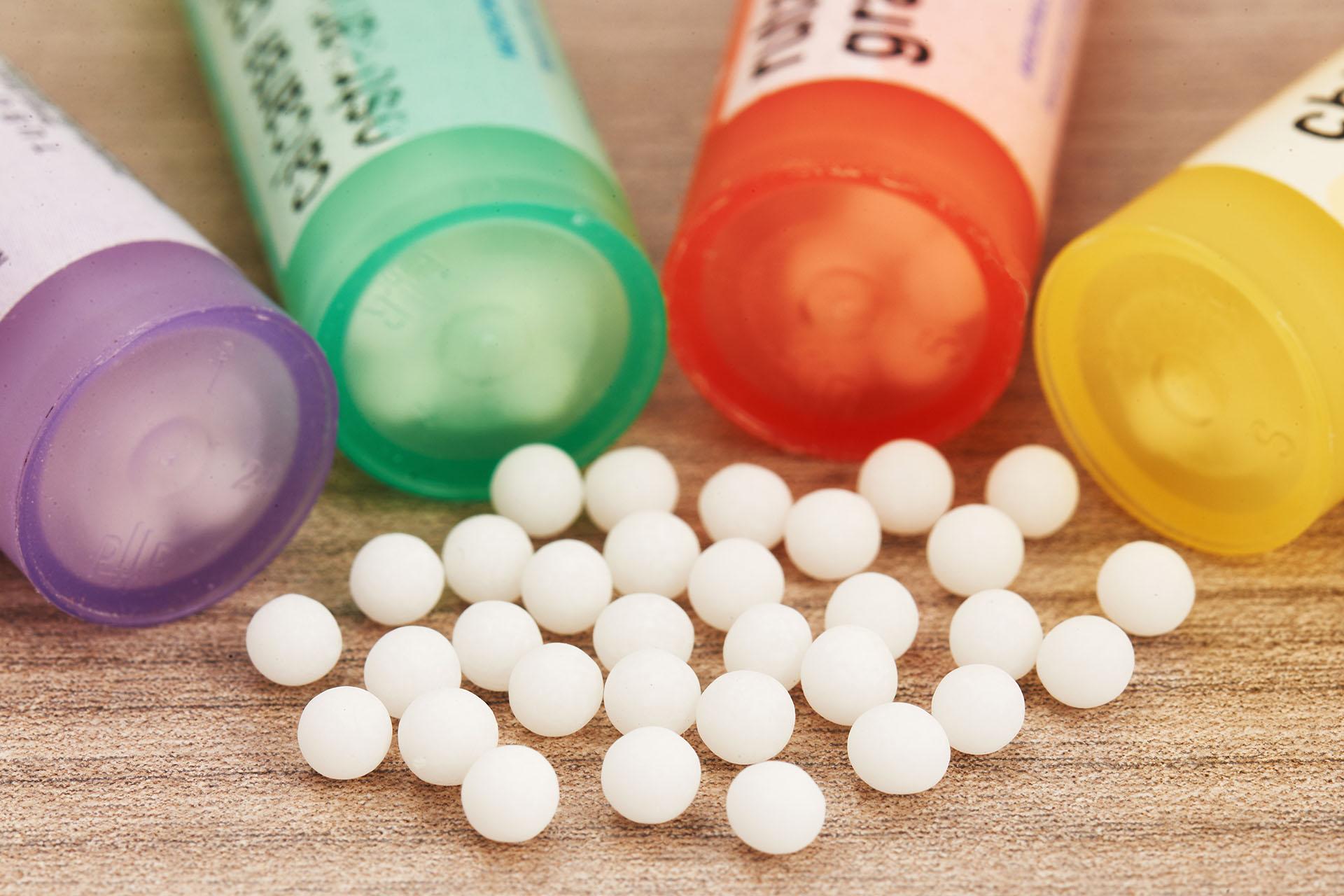 Los glóbulos son una de las presentaciones en las que se venden los remedios de tipo homeopático (Getty Images)