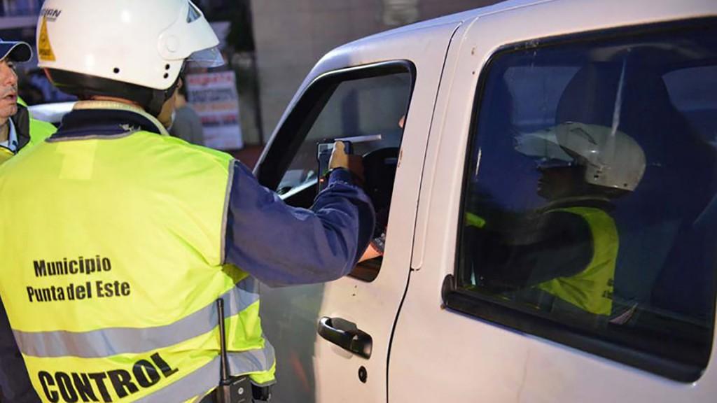 Si el conductor se niega a hacerse el test, se presume que tiene alcohol o drogas en sangre (Gentileza El Observador)