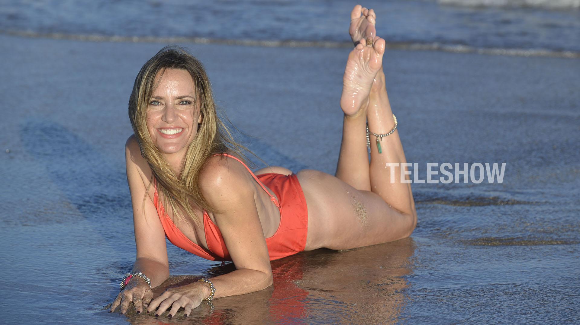 Soledad Villareal se nació en una ciudad santafecina que es cuna de grandes fubtolistas como Jorge Valdano: hablamos de Las Parejas.¡Pero a no confundirse! Ella no es botinera… Lo suyo en los medios pasa por la capacidad