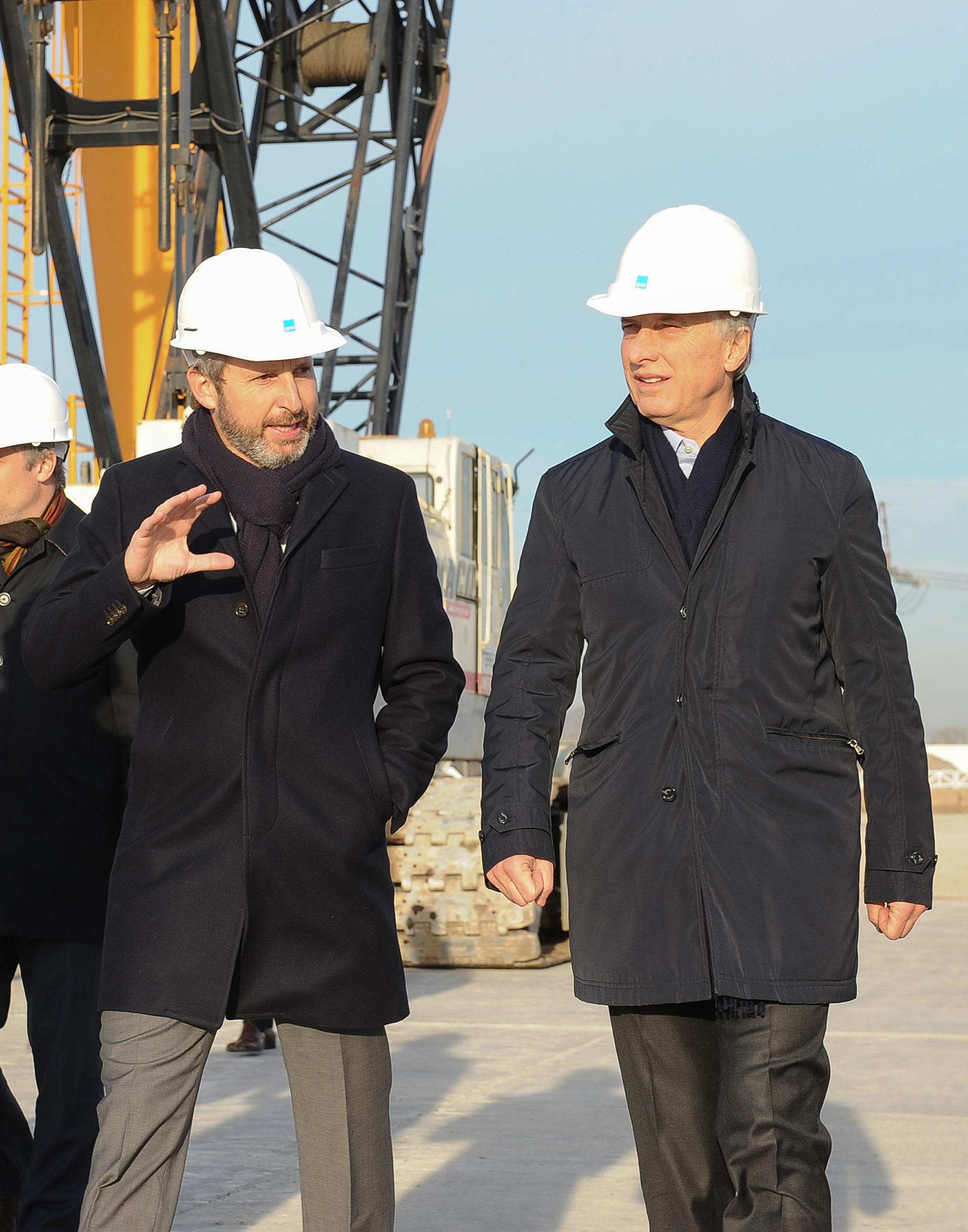El ministro de Interior, Obras Públicas y Vivienda, Rogelio Frigerio, junto al presidente Macri.