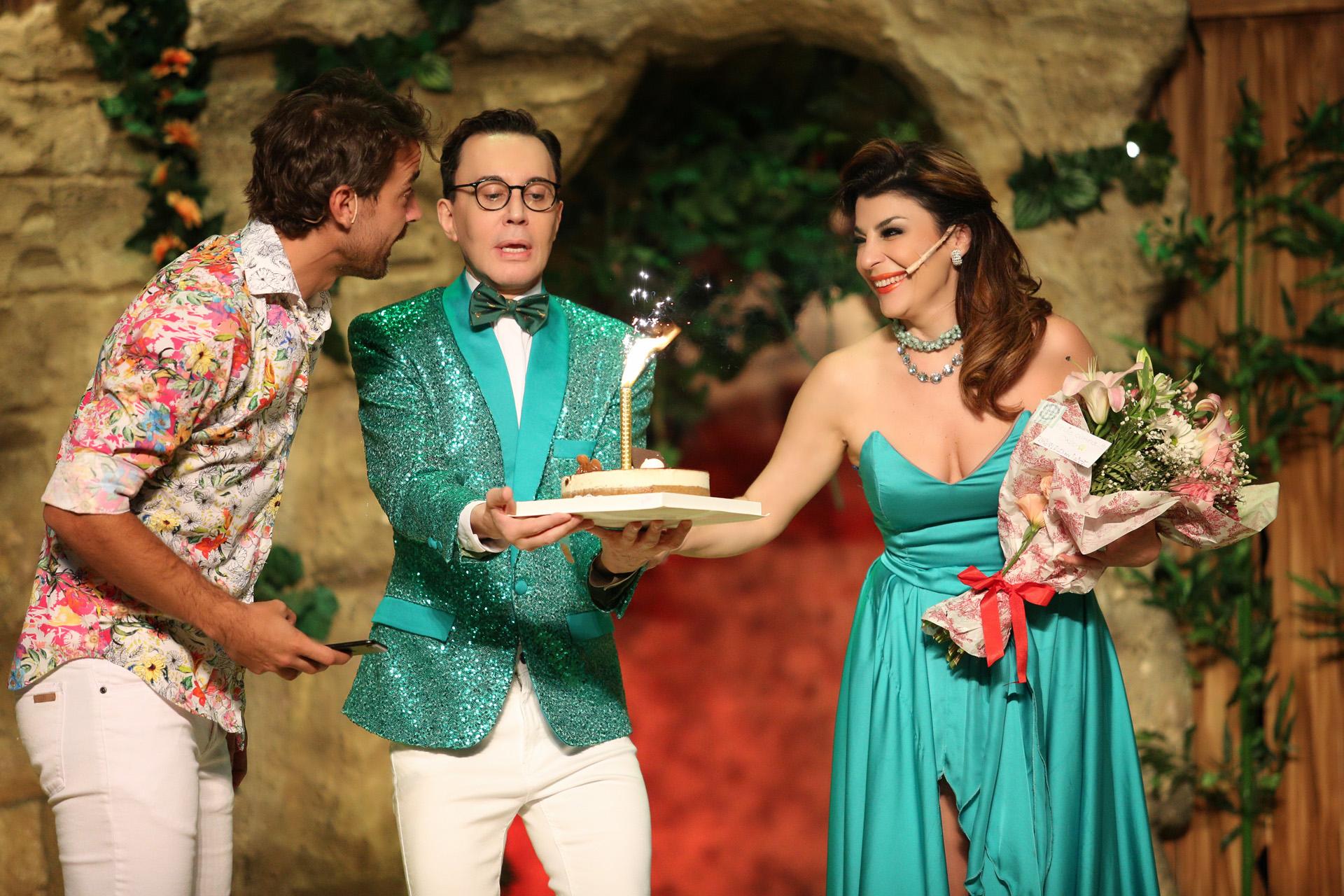 Pedro Alfonso y todo el elenco de la obra festejó con la famosa actriz