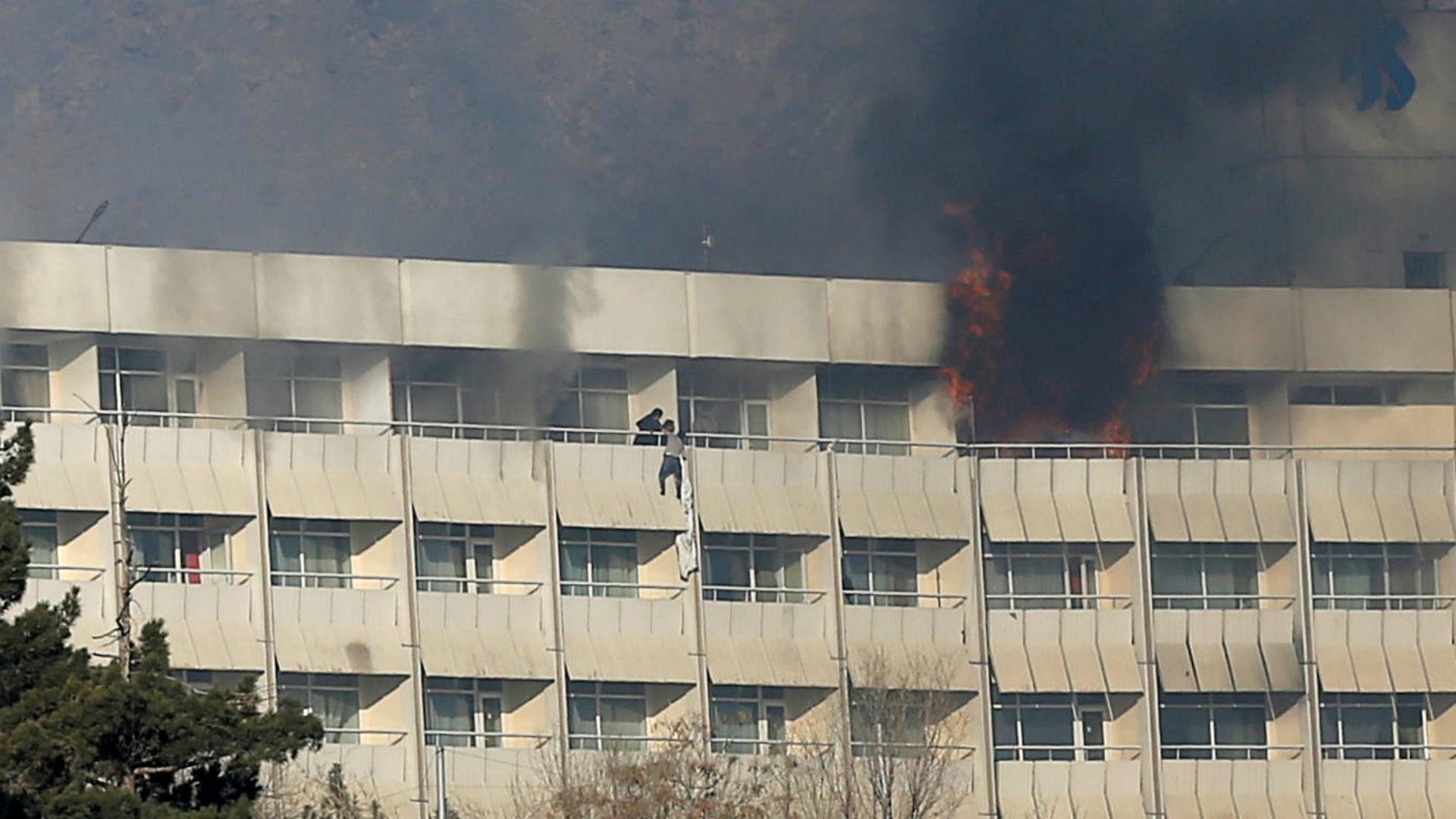 Dramáticas imágenes del asalto al hotel